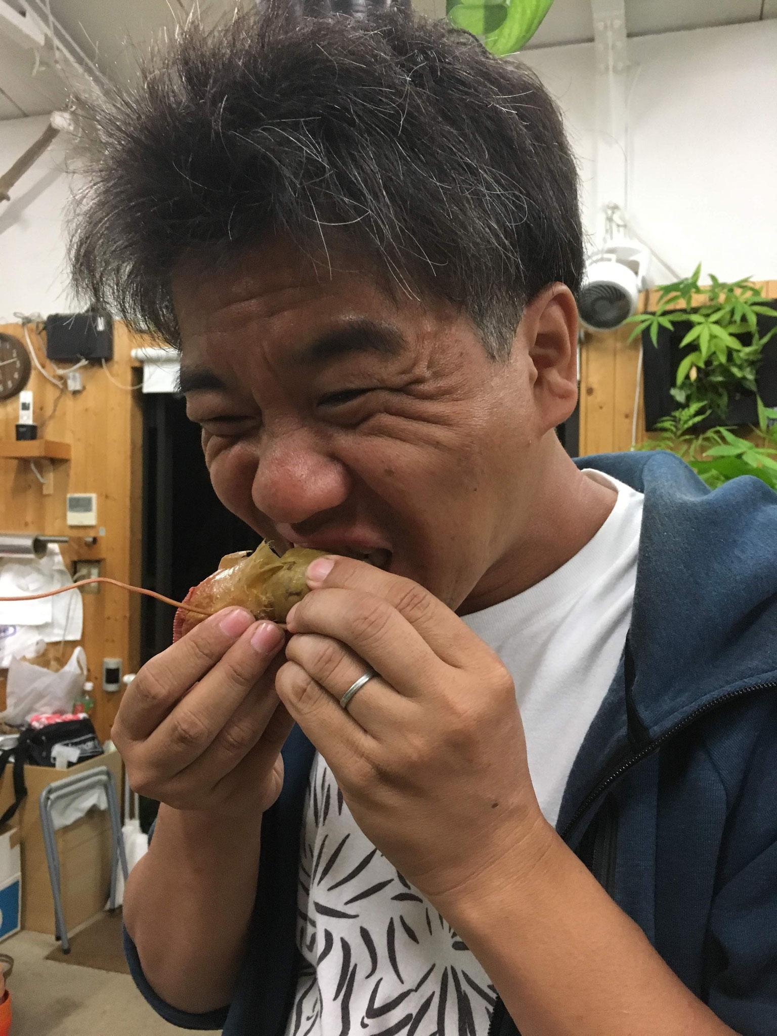 こんな顔して食べておりますが 普通に美味い!