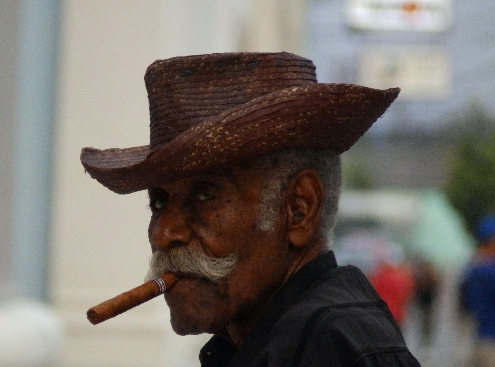 Rauchen mit Stil in Havanna ©SimoneGotthardt