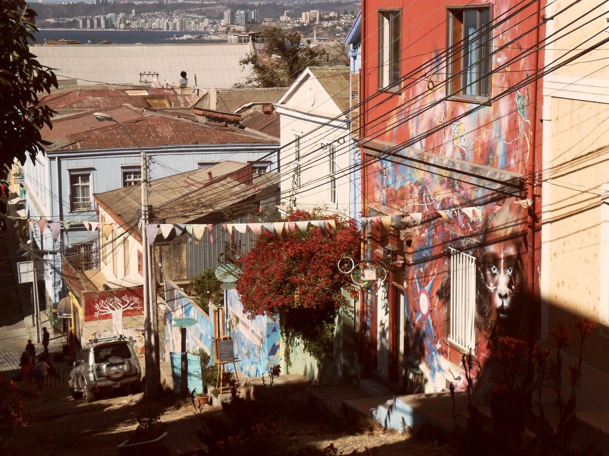 Straßenszene in Valparaiso, Chile ©SarahBrandl