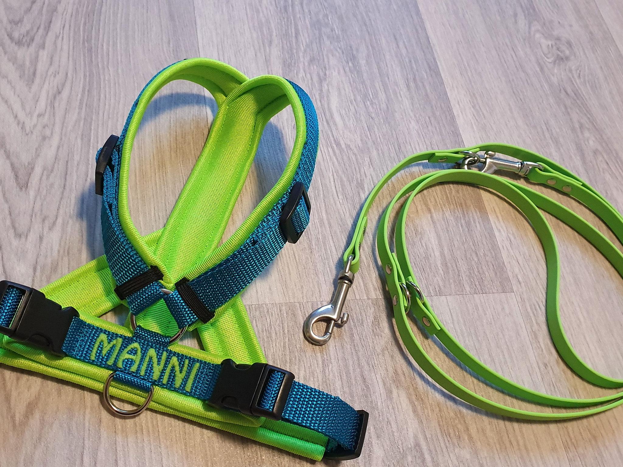Perfect fit Geschirr petrol/neongrün am Hals verstellbar, bestickt Manni