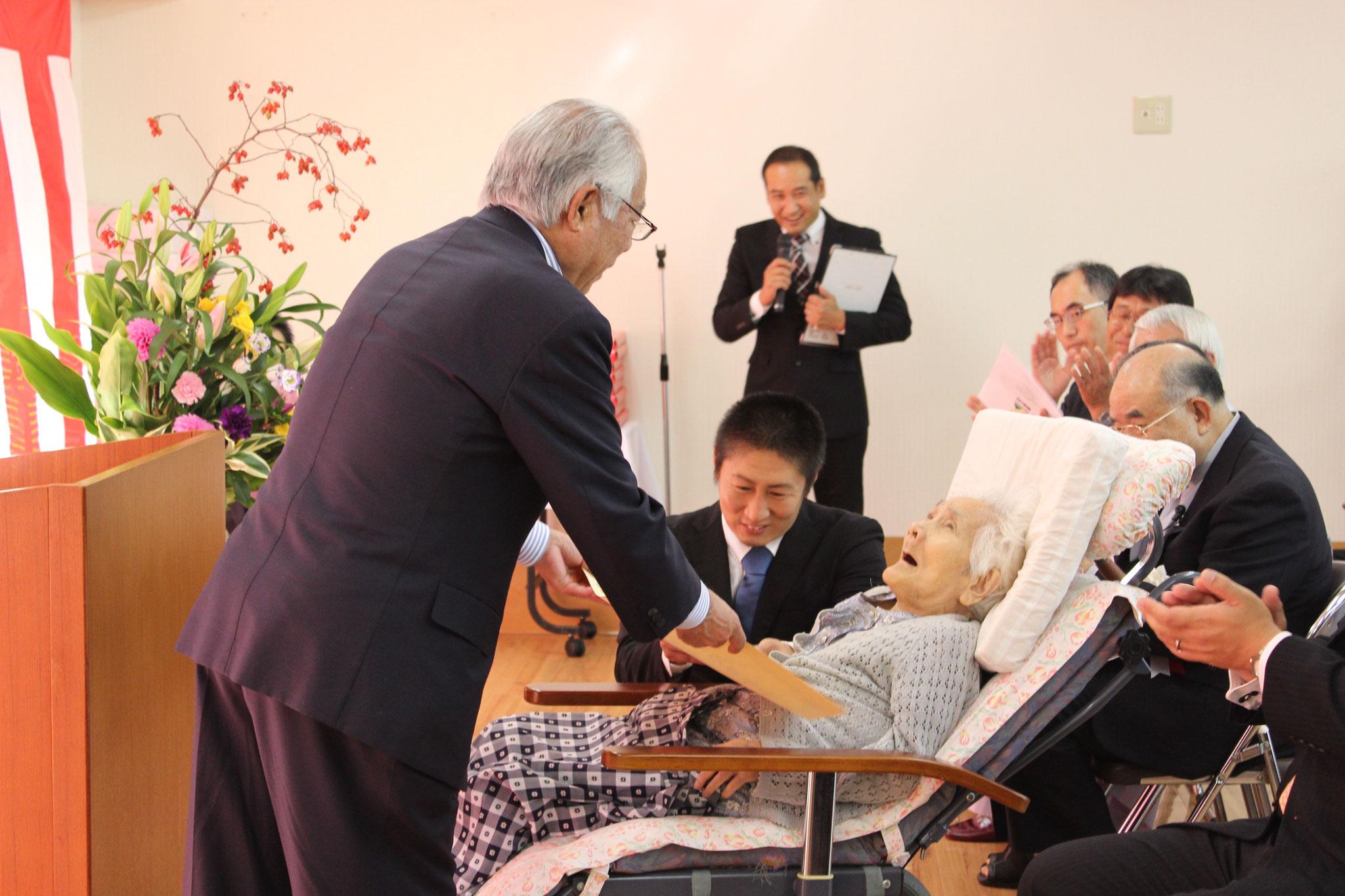 100歳を迎えられる平田ハルカ様です。