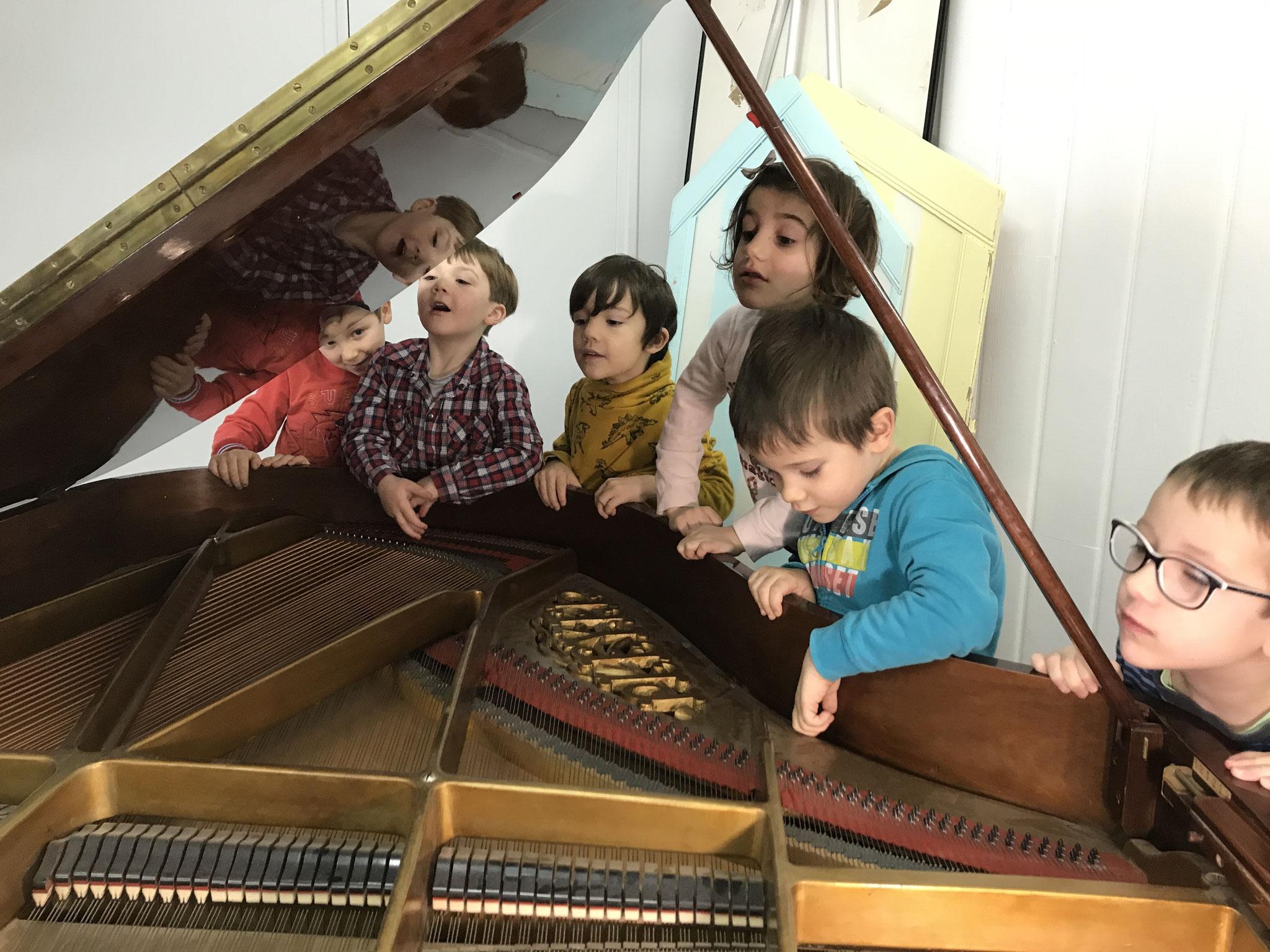 Découverte du piano en éveil musical