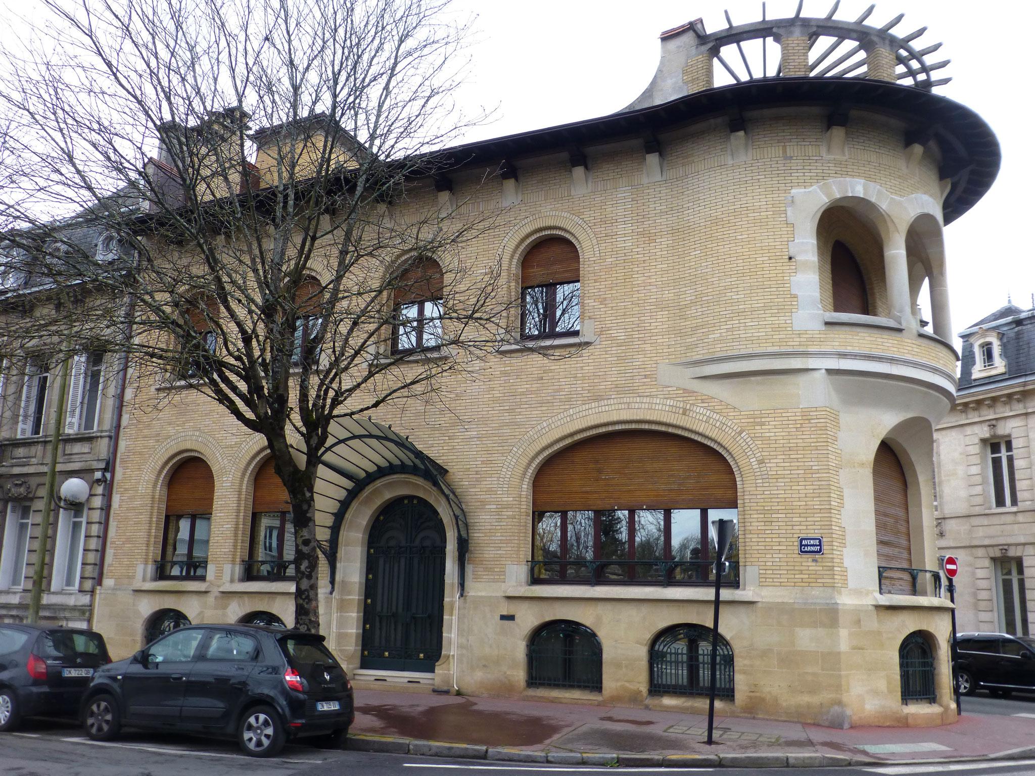 Hôtel Ferret, 80 avenue Carnot, près du Parc bordelais