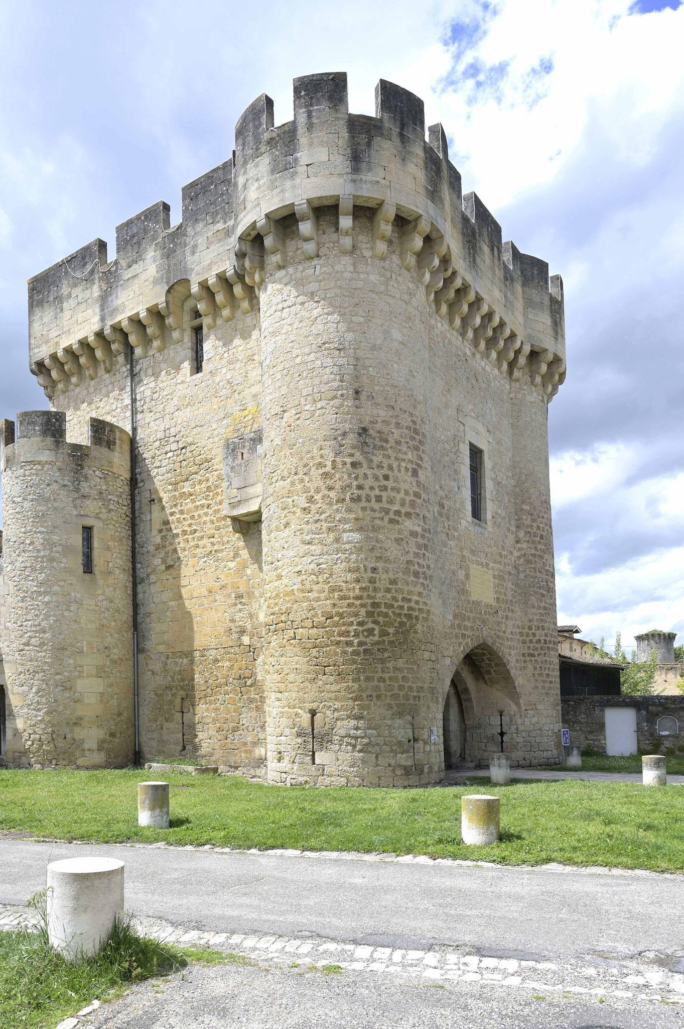 La porte du Lhyan du XIVe siècle, classée au titre des monuments historiques