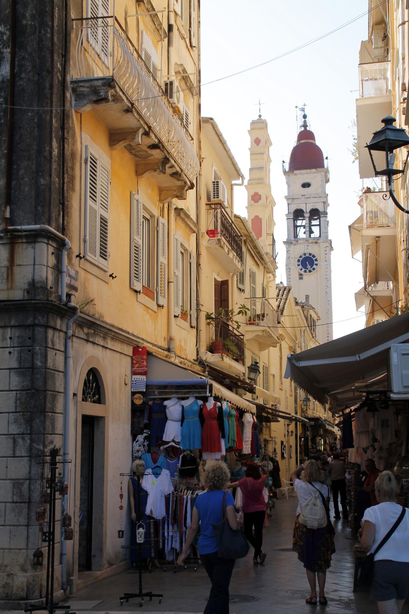 Aller à la découverte de la vieille ville( Photos R. Peuron)