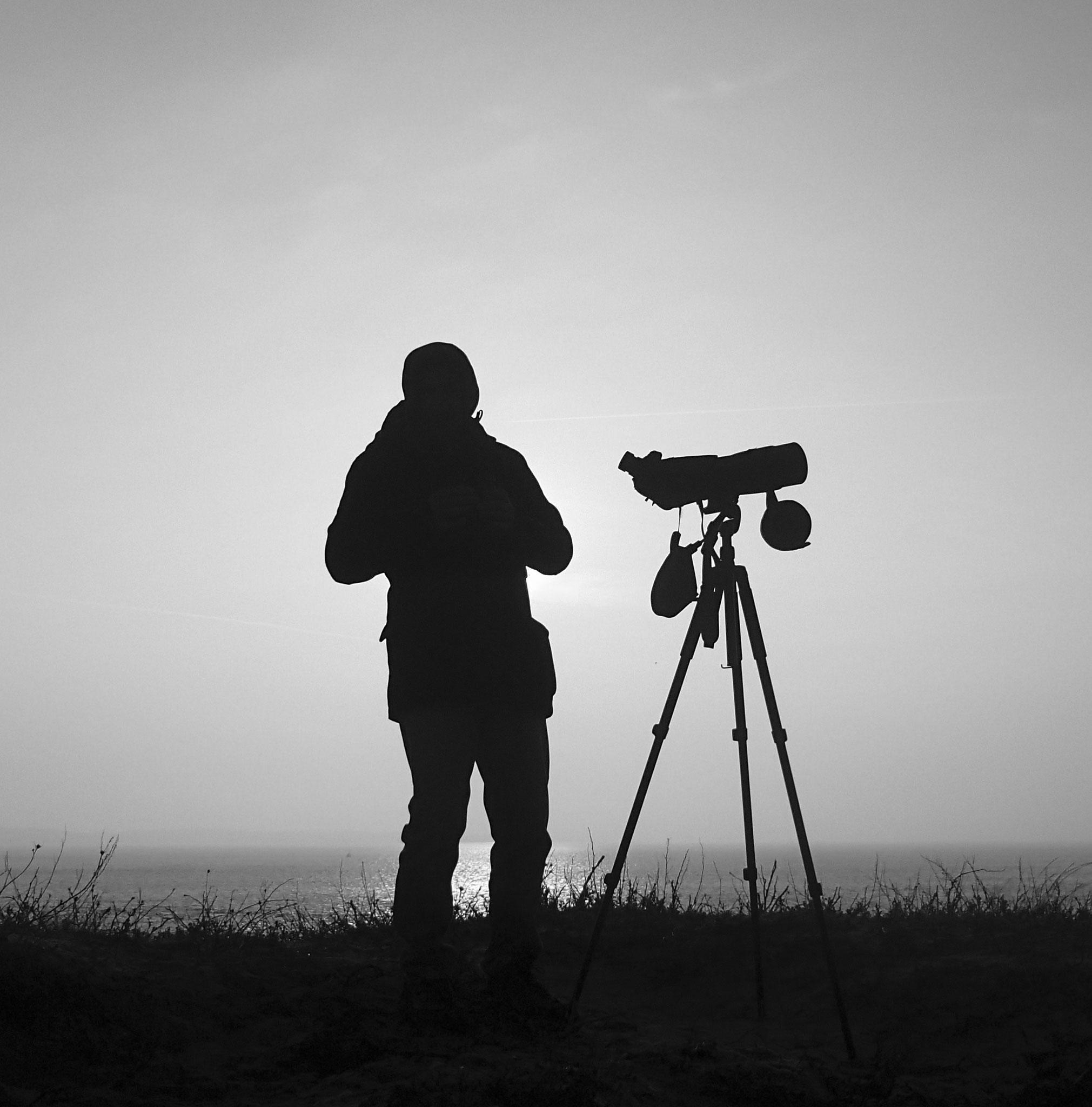 Sur la dune, un spoteur ( photo Etienne Rogeau)