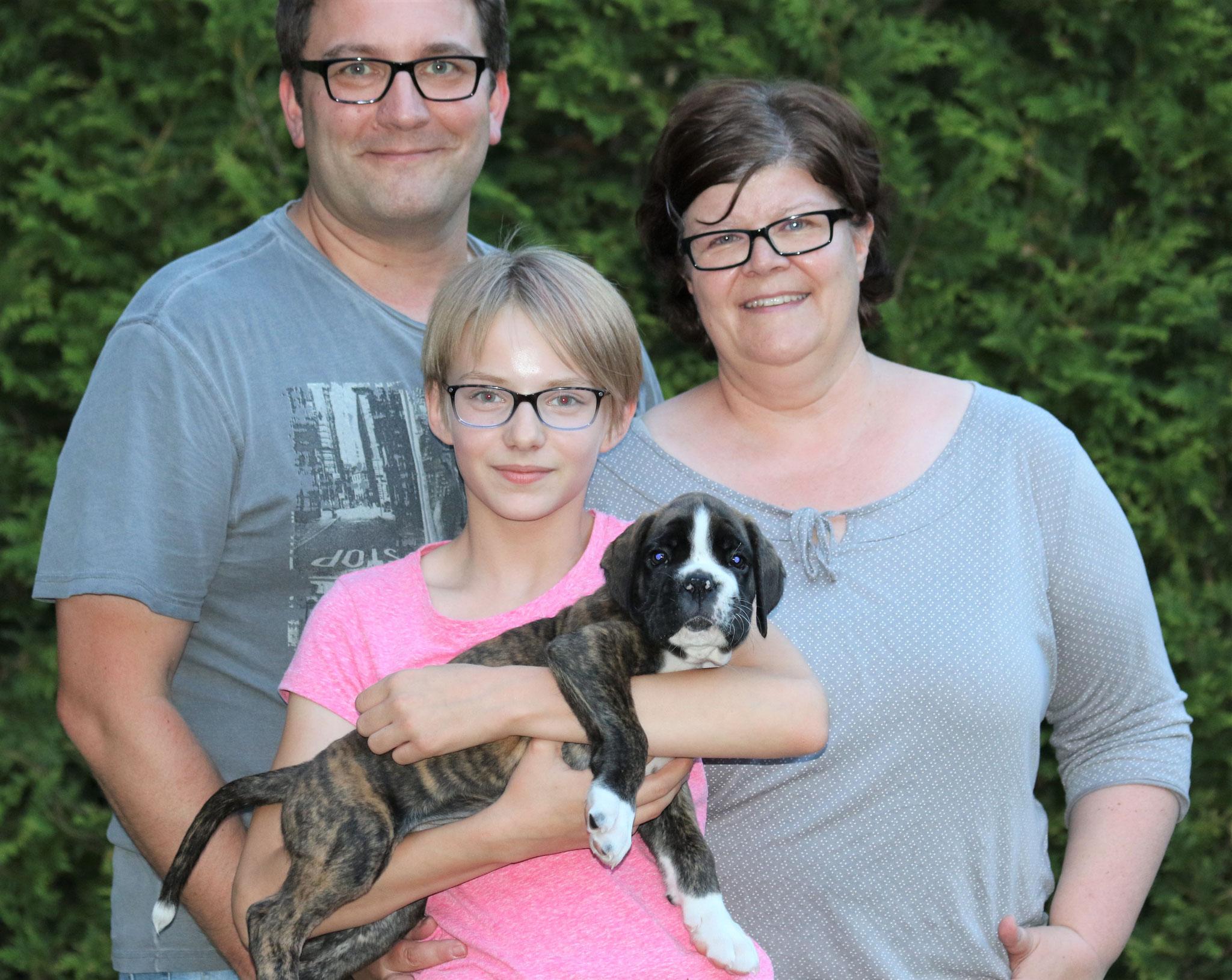 Ines, Frank und Norma mit Guinness