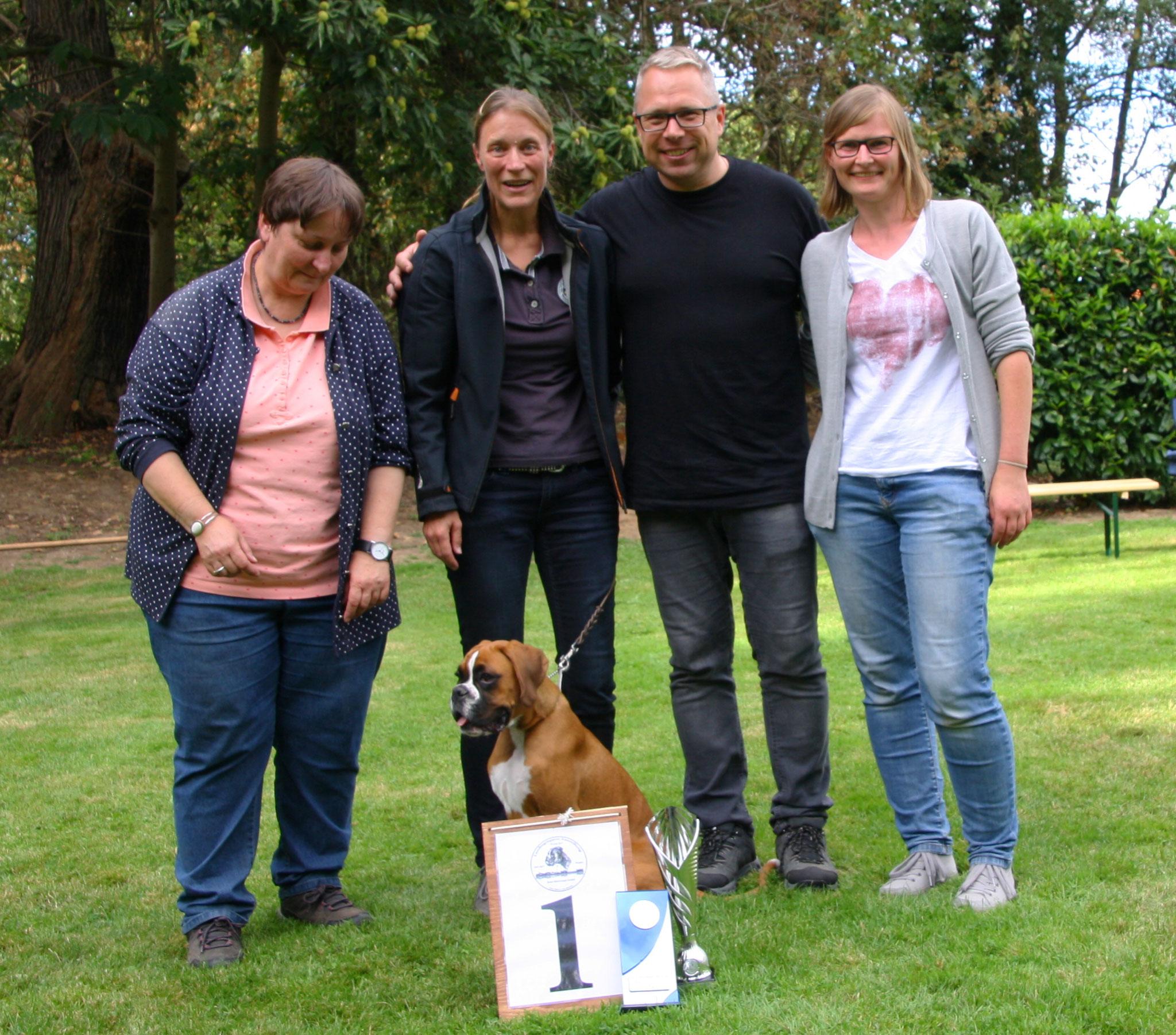 09.09.18    BK Krefeld, Gruppenfoto mit den stolzen Züchtern