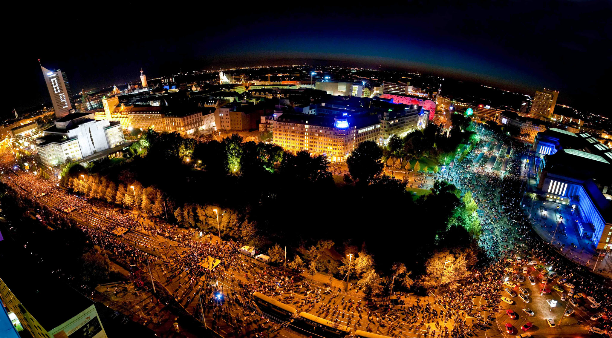 25 Jahre Friedliche Revolution - Lichterfest in Leipzig - erschienen im STERN - © Dirk Brzoska