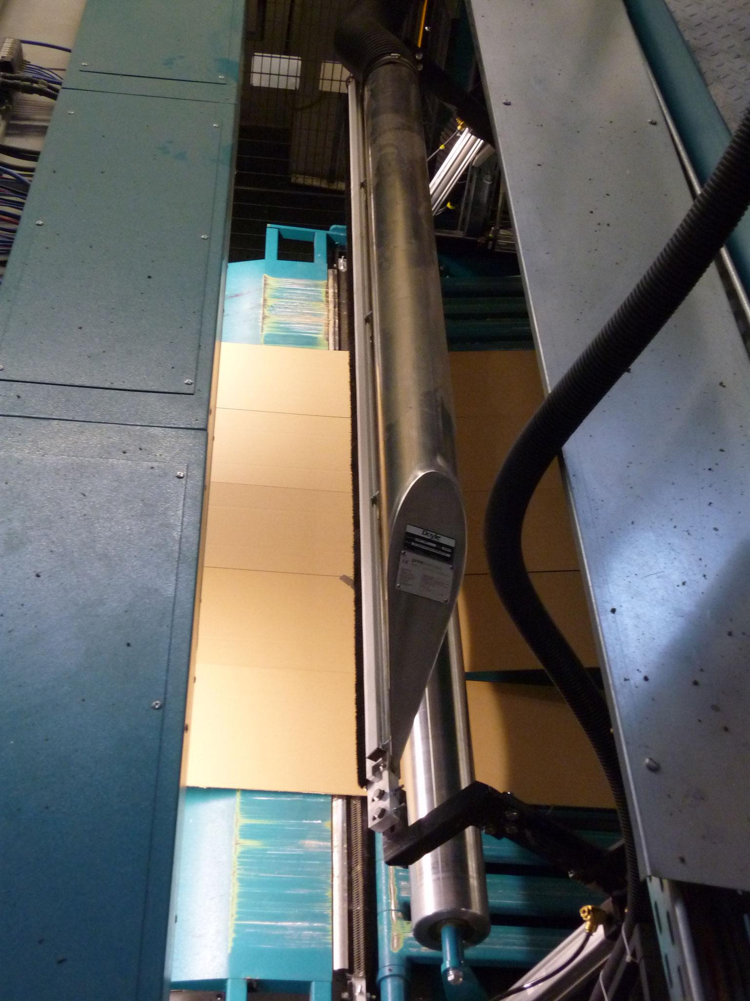 Agnati 2500 mm Oberseite mit individueller Wegschwenkvorrichtung
