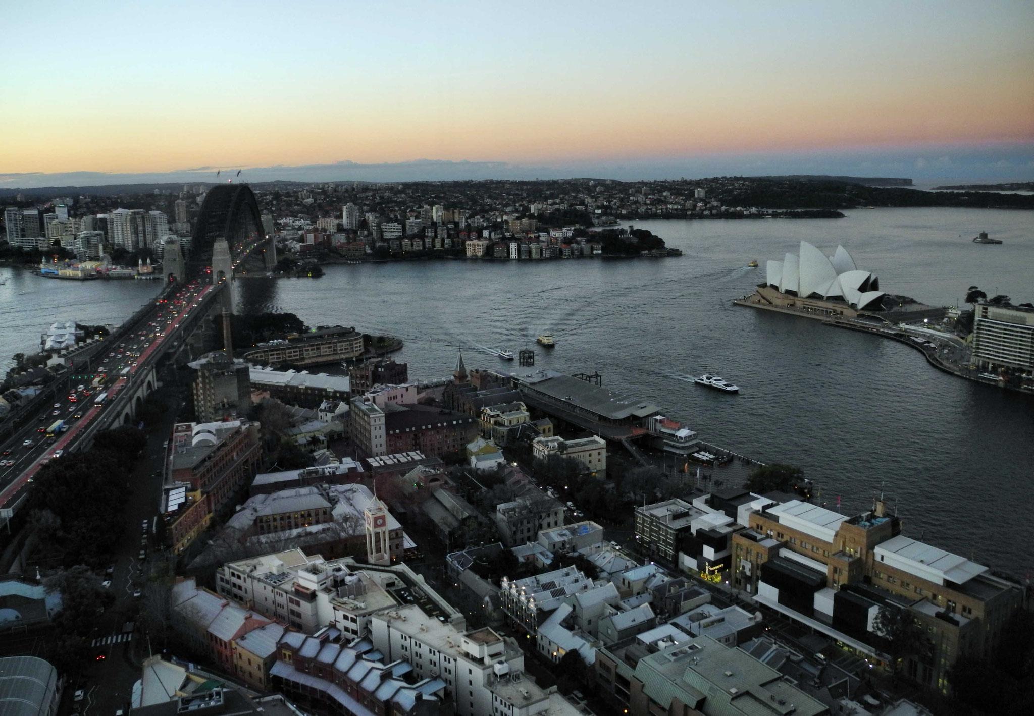 Sydney Harbour nach Sonnenuntergang