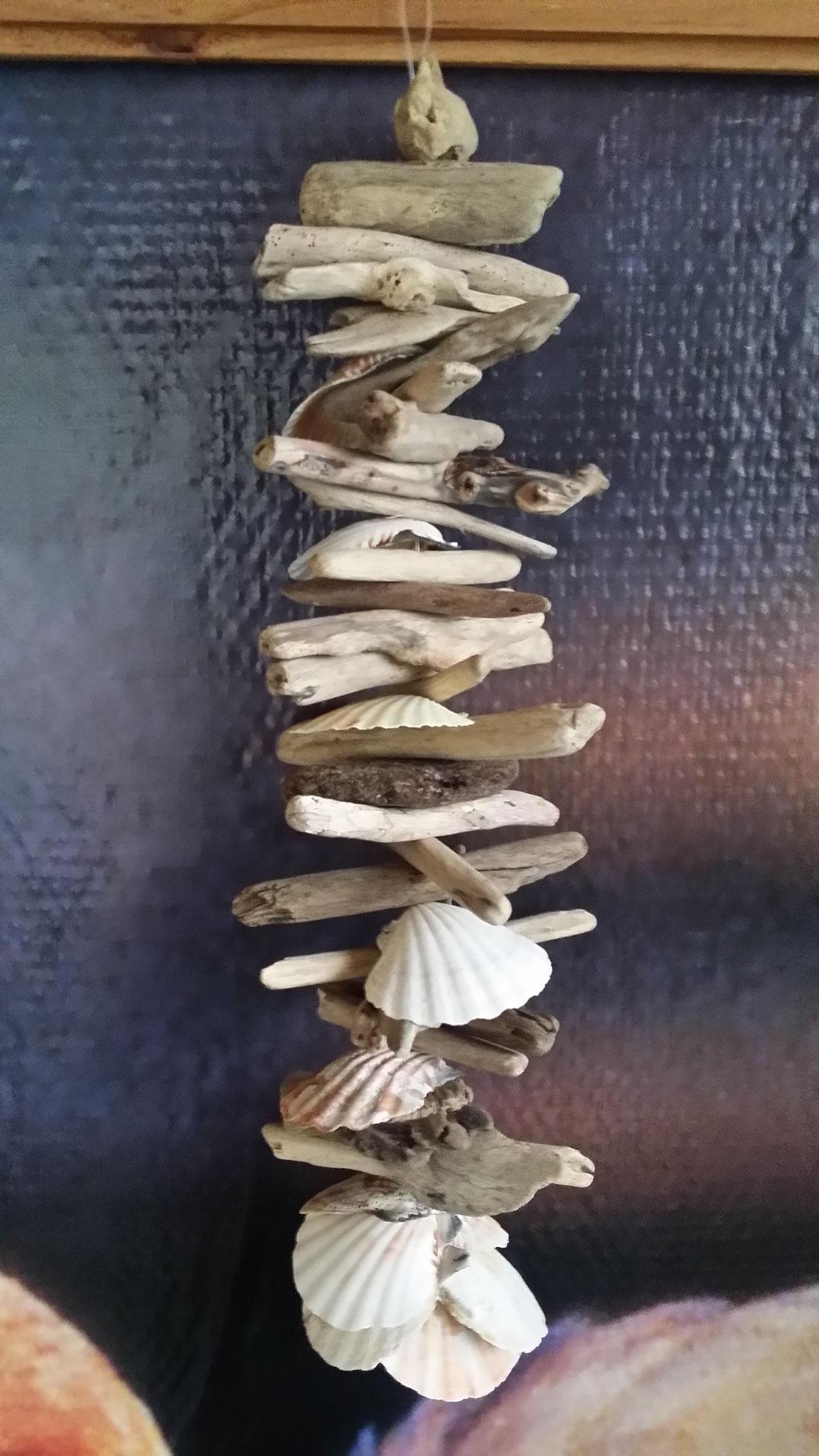 N°7 Guirlande de bois flotté et coquillages blanc