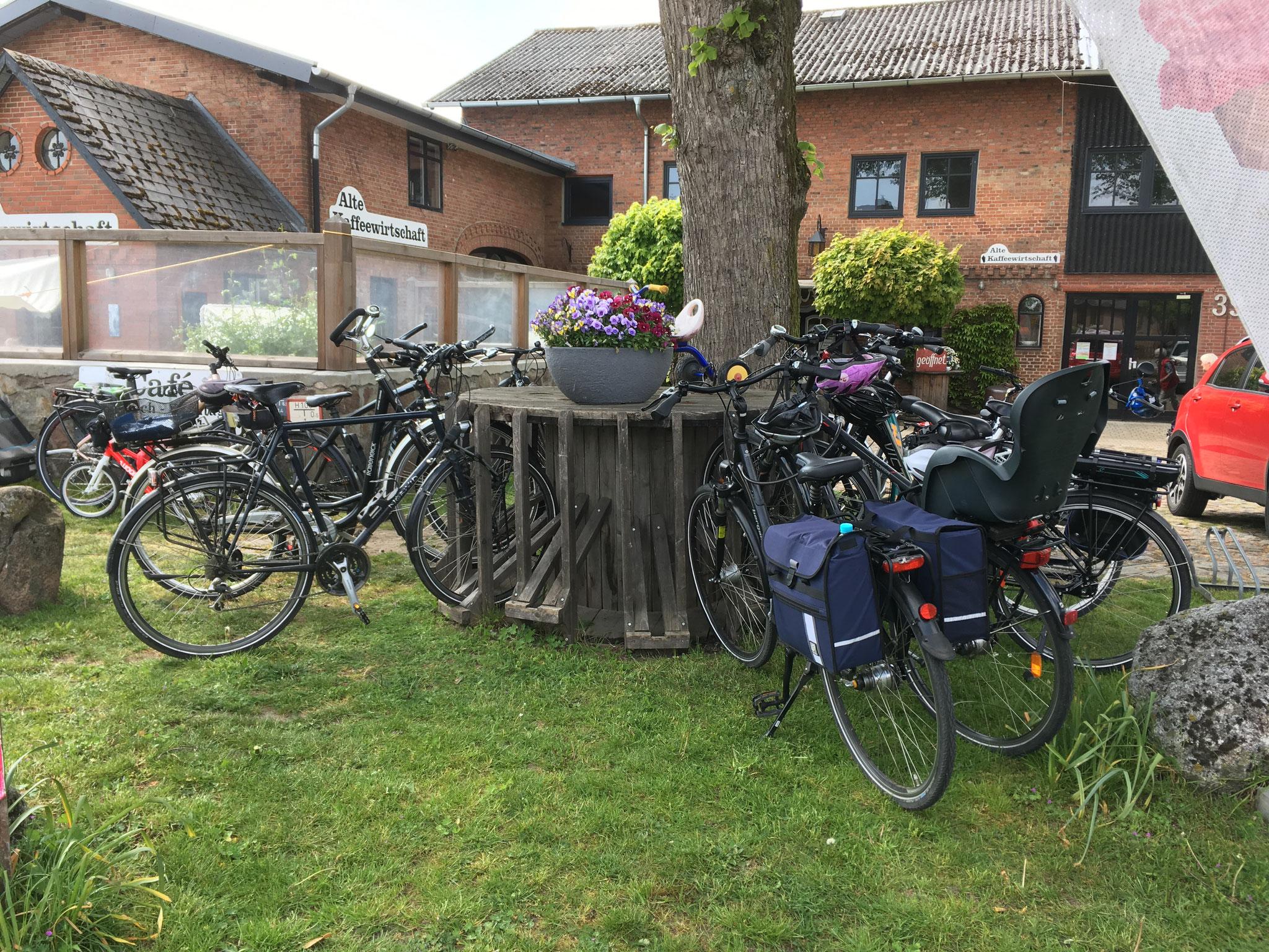 Voller Fahrradständer