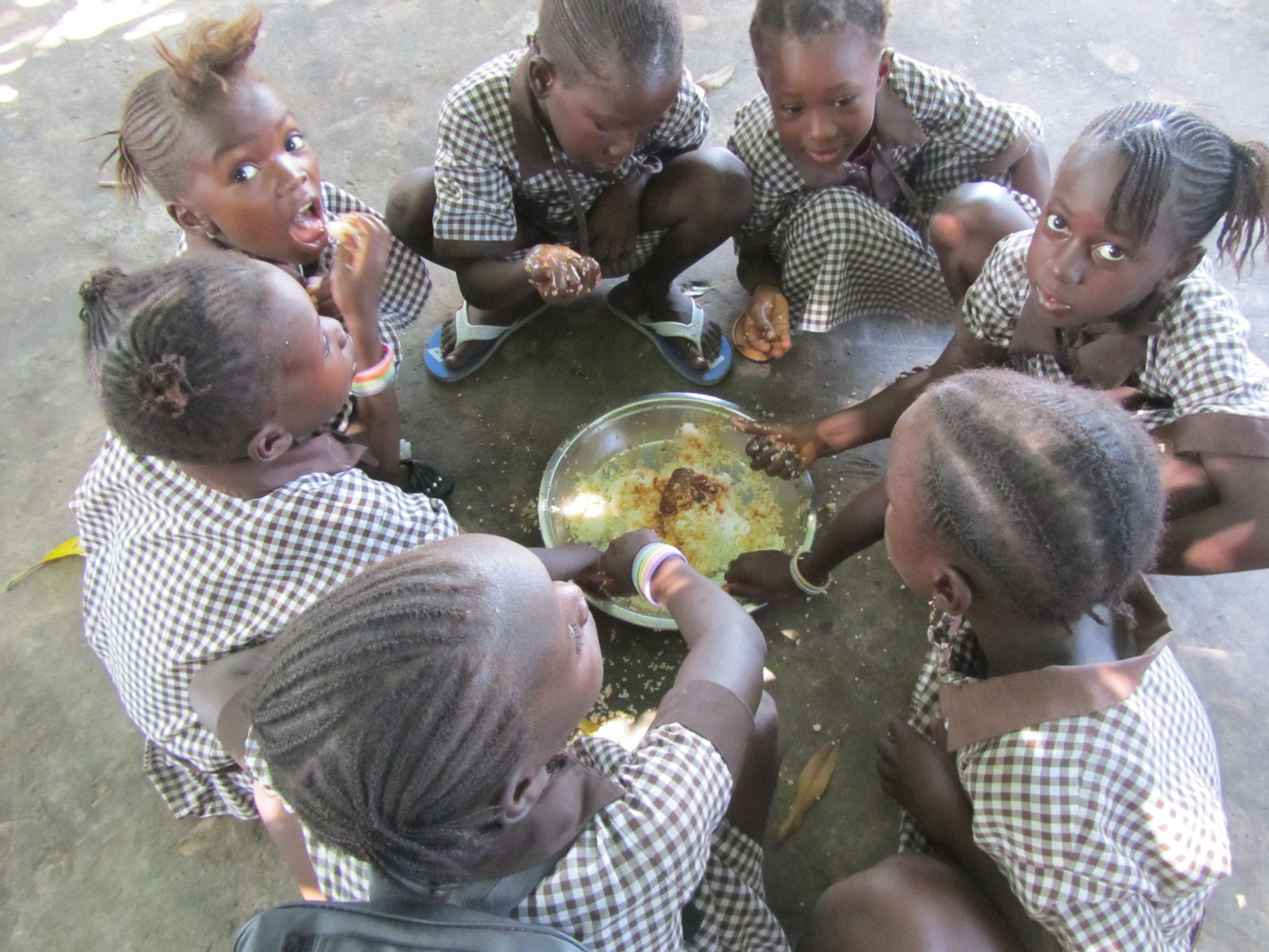 Essen in kleinen Gruppen
