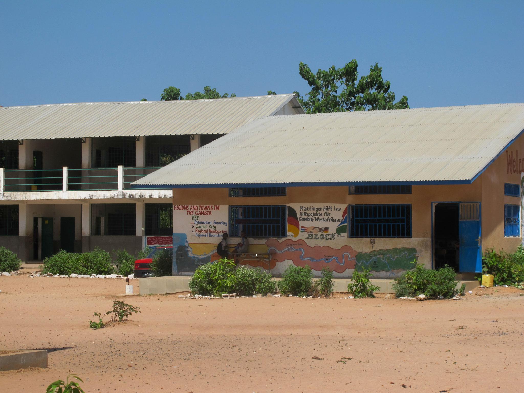 1. Hattinger und Regierungsgebäude