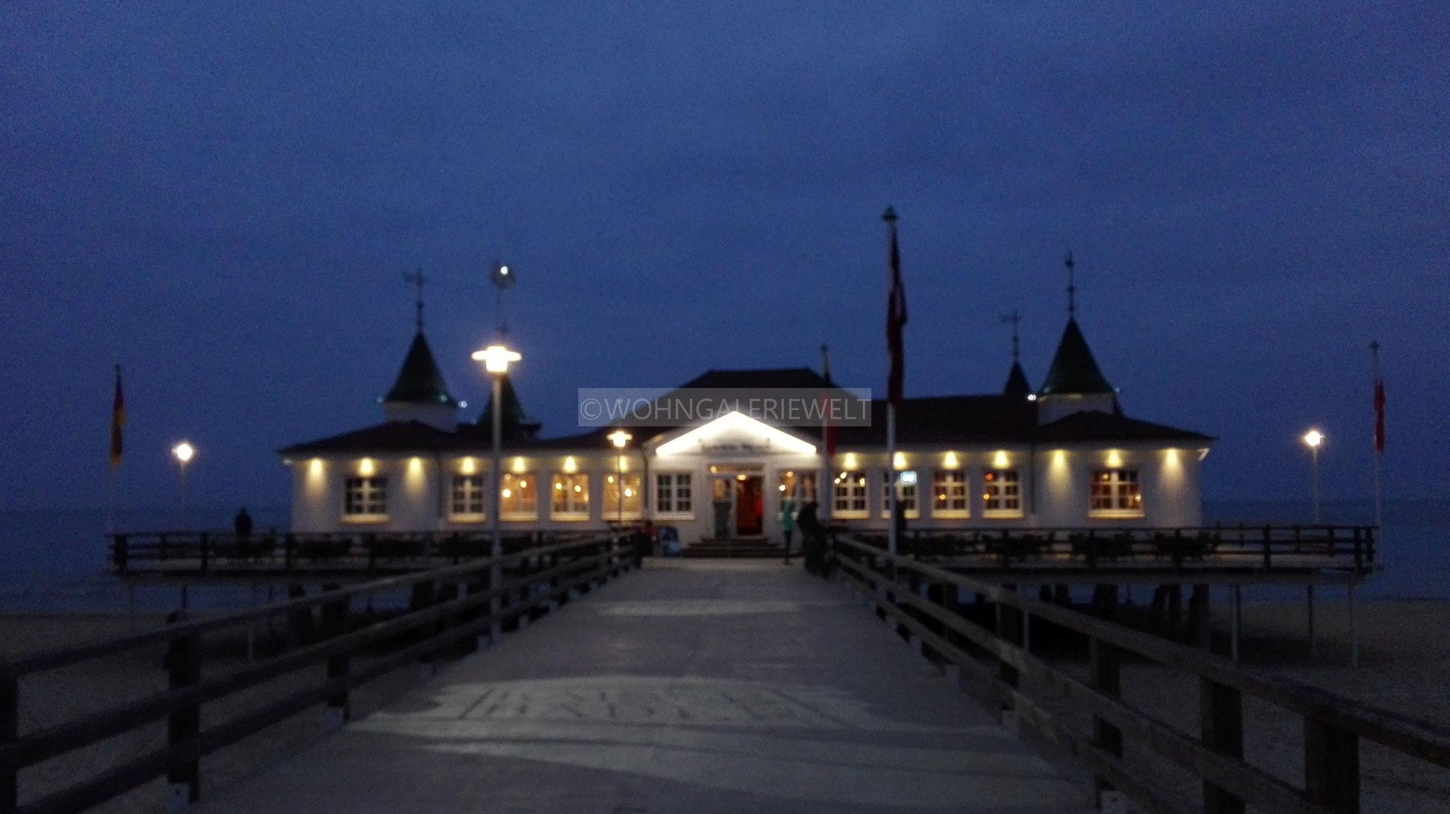 Seebrücke Ahlbeck bei Nacht
