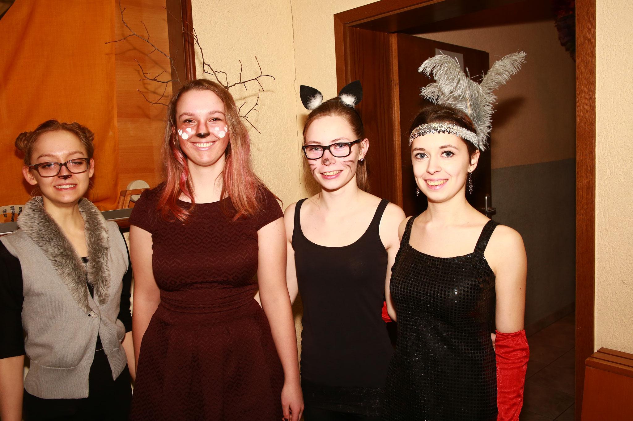 Genauso die Damen beim Kaffee- und Kuchenverkauf. Zum ersten Mal mit dabei war Eva (zweite von rechts) - hat uns sehr gefreut :)