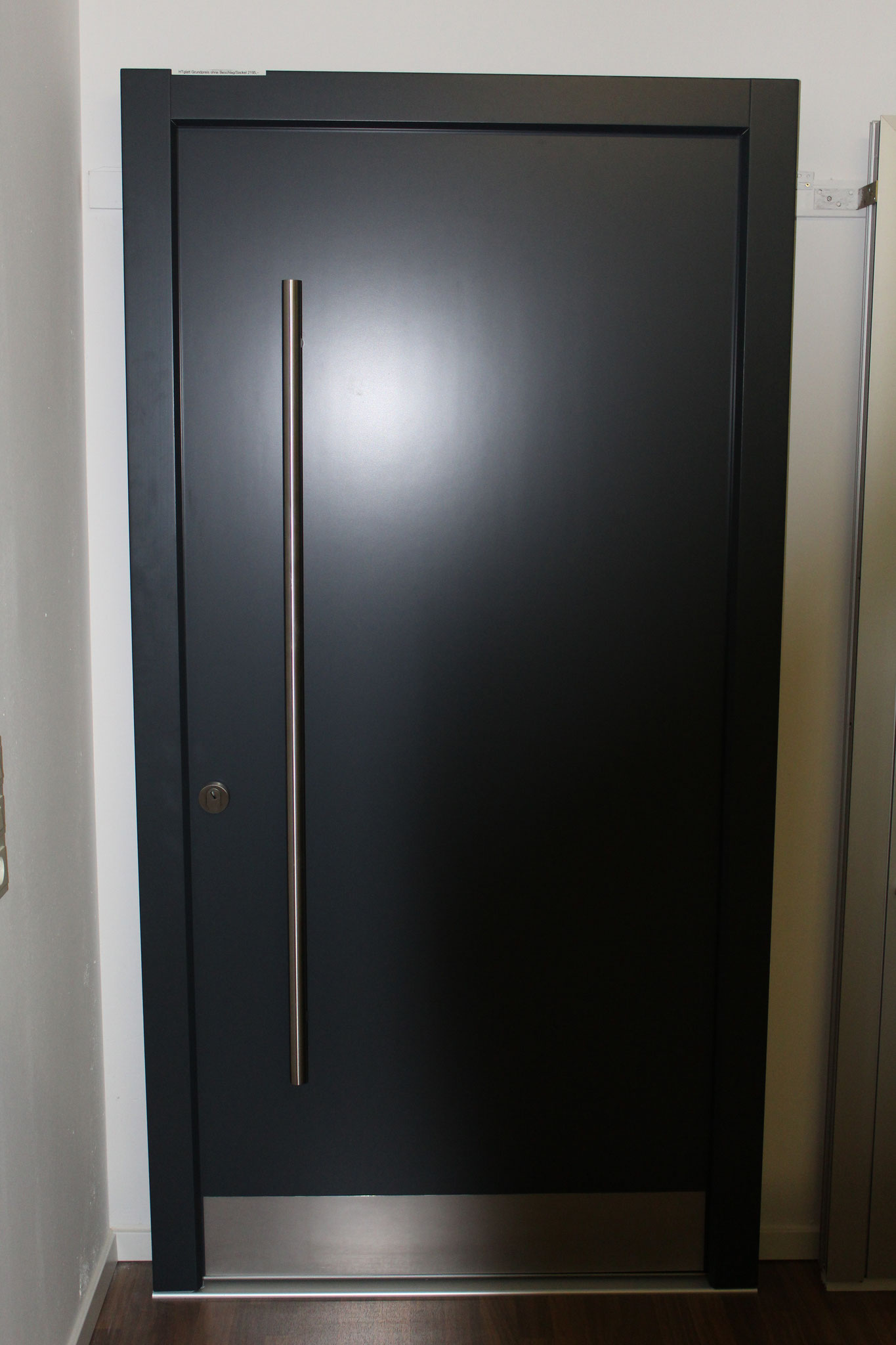 Haustüre 1: 113 x 218 cm