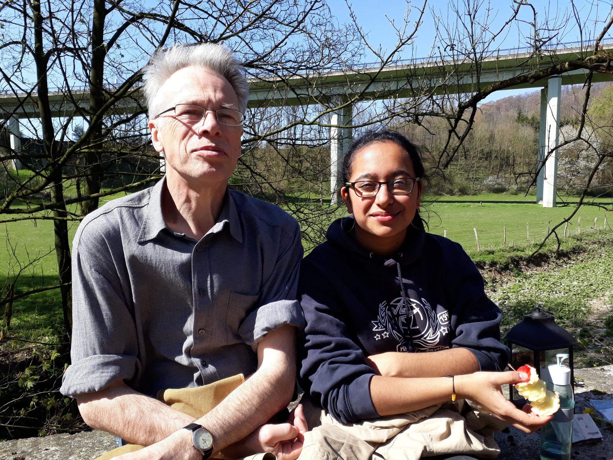 Pausenapfel unter der Grundsteinheimer Brücke