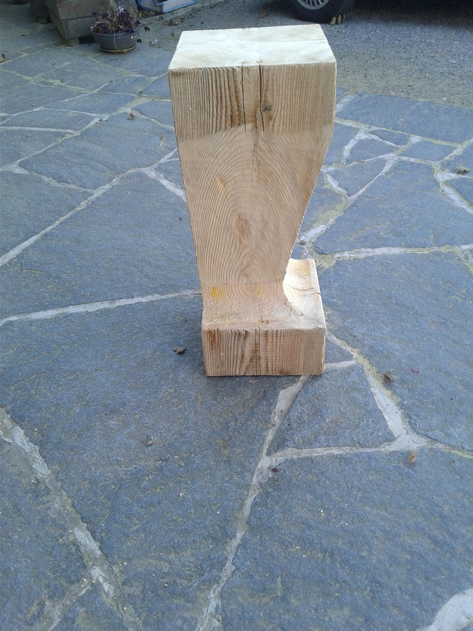 Barhocker aus Altholz gebürstet