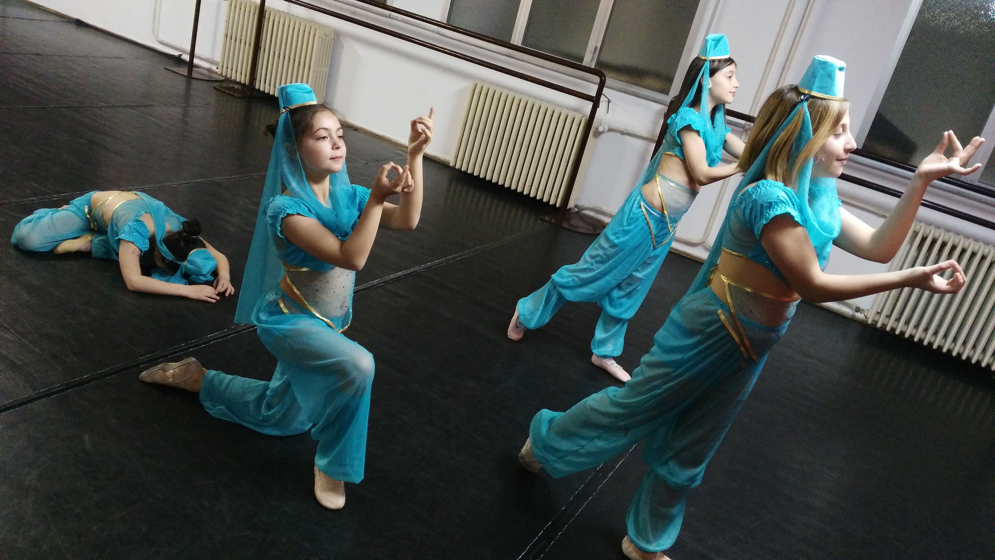 Prove saggio - Danza Araba - Corso danza classica principianti