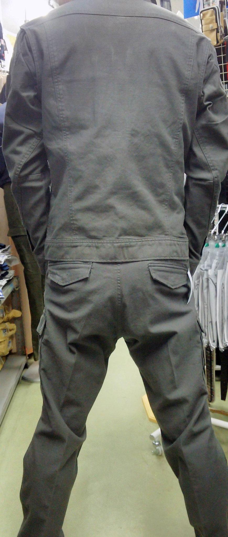 I'Z FRONTIER~アイズフロンティア~ 7908 SERIES 着てみました。ごわつかず、タイトに決まります。