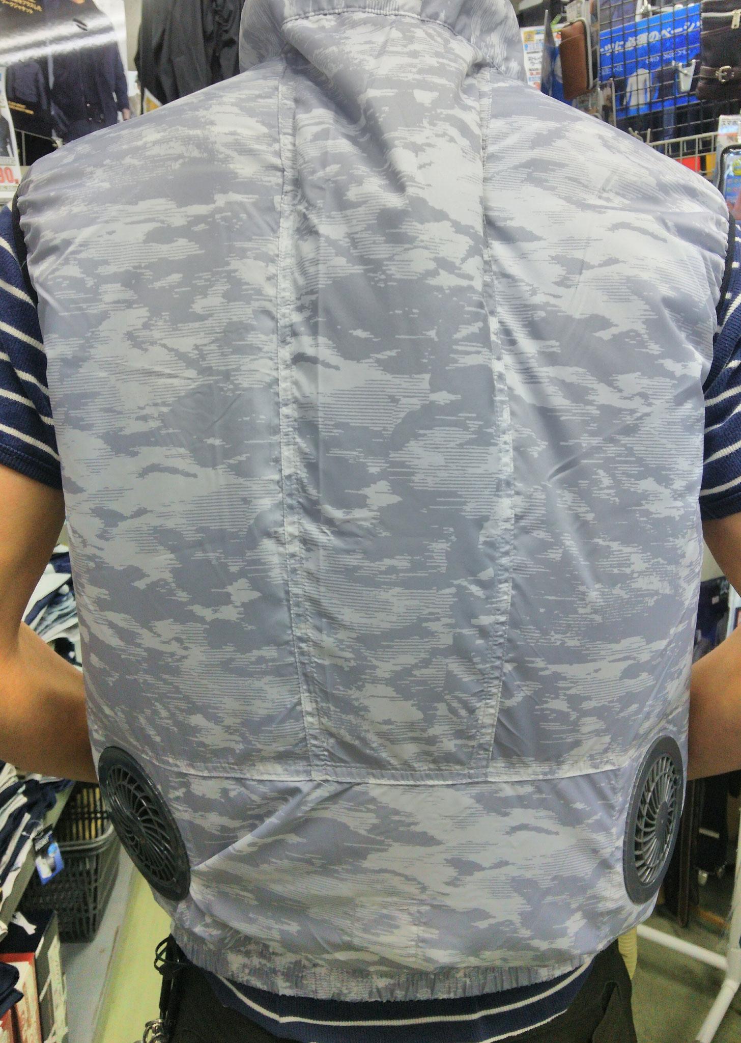 空調服リスペクト商品、エアセンサー<AIR-SENSOR>ベスト ¥3,500(税込)バックスタイルはこんな感じ。