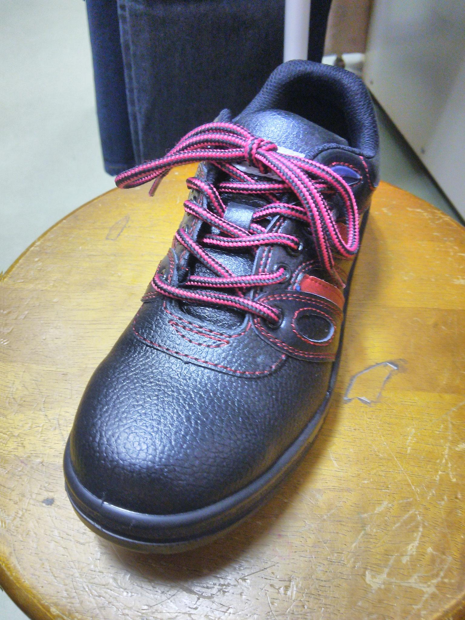 JW-750  安全靴 ¥3,300(税込) サイズ22.5cm-30cm まで品揃えしております。