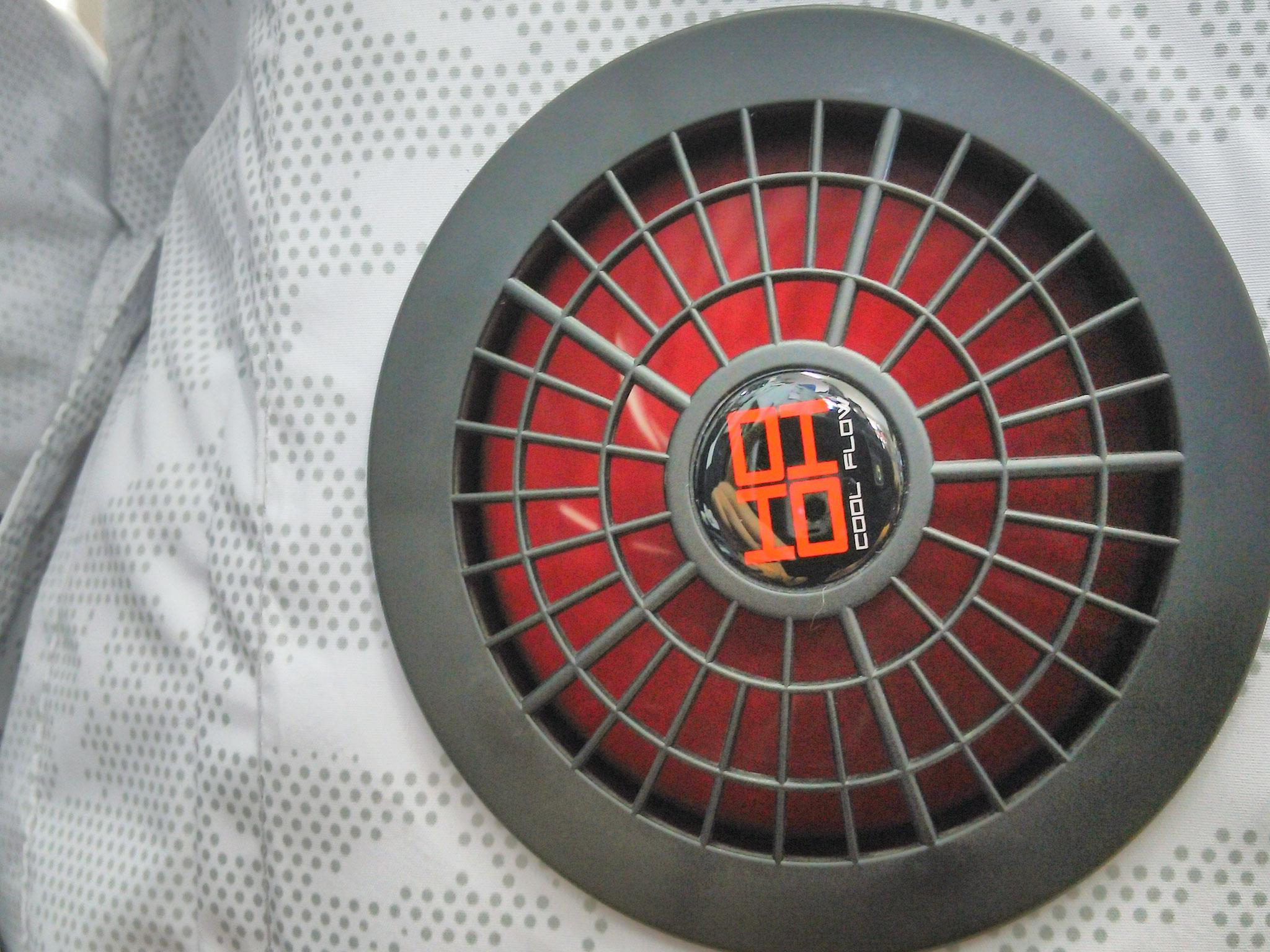 業界唯一の洗えるファンセット V1002 ¥4,950(税込)