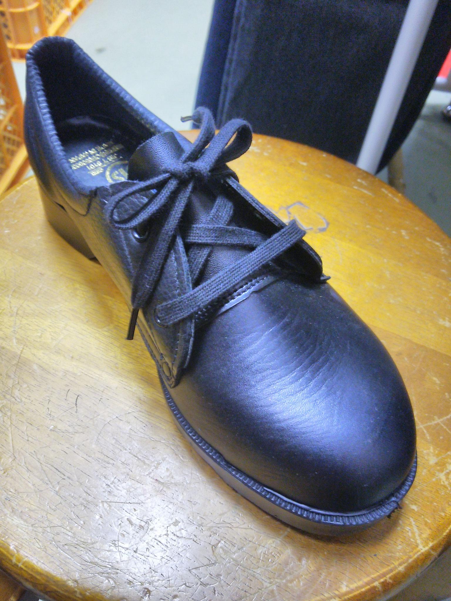 AN105V  革製安全靴  短靴  ¥3,990(税込)現場や扱い方にもよりますが、お手入れ次第で半年ぐらい持ちます。
