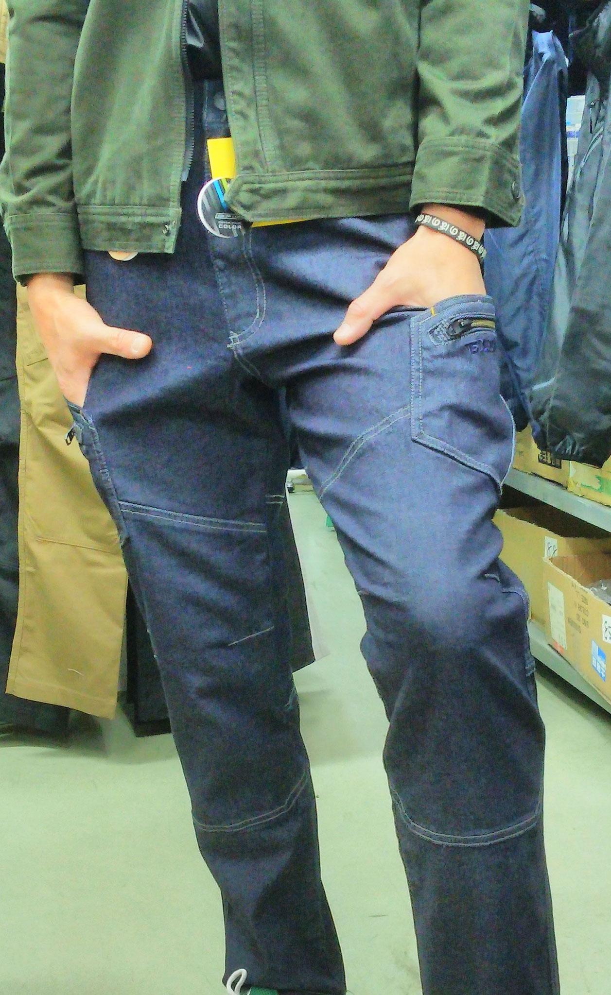 TS DESIGN 511 SERIES =履いてみました=ストレッチデニムはやっぱり履きやすいですね。そんなにタイトではありません。