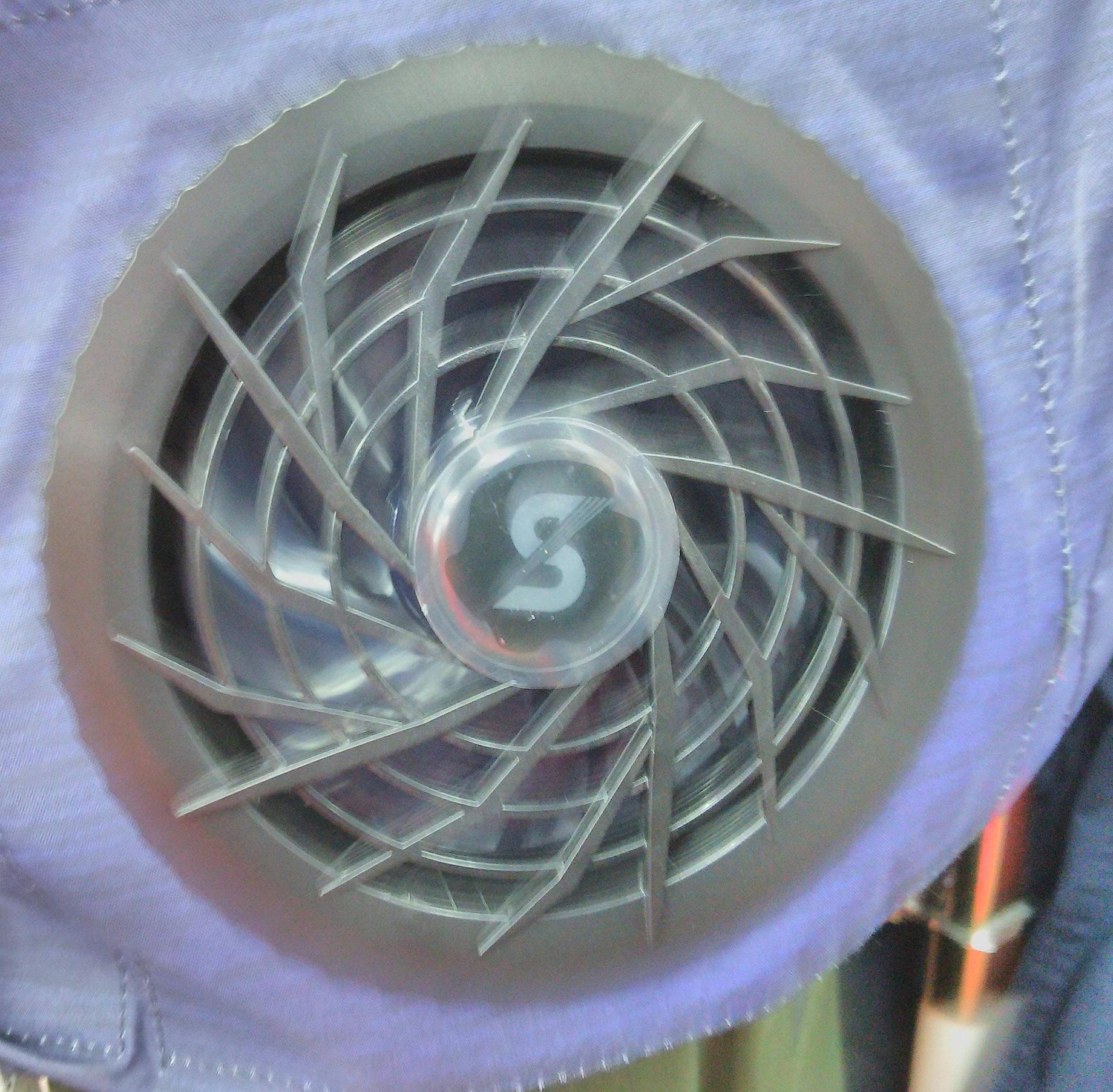 S-AIR<エスエアー>空調機器 出力 7.5V 連続8時間 ¥9900(税込)