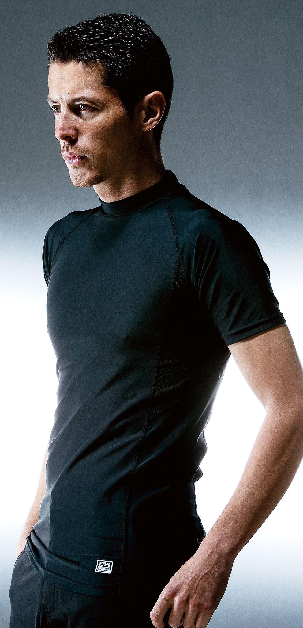 1枚で着るものOK、半袖タイプもあります。TS MUSCLE SUPPORT 841551