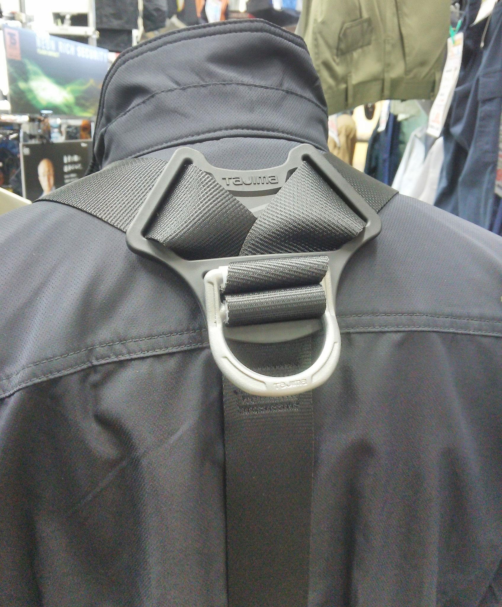 ハーネス型安全帯 ZSM-BK タジマの最新モデル 後ろはこんな感じ ¥12,650(税込)