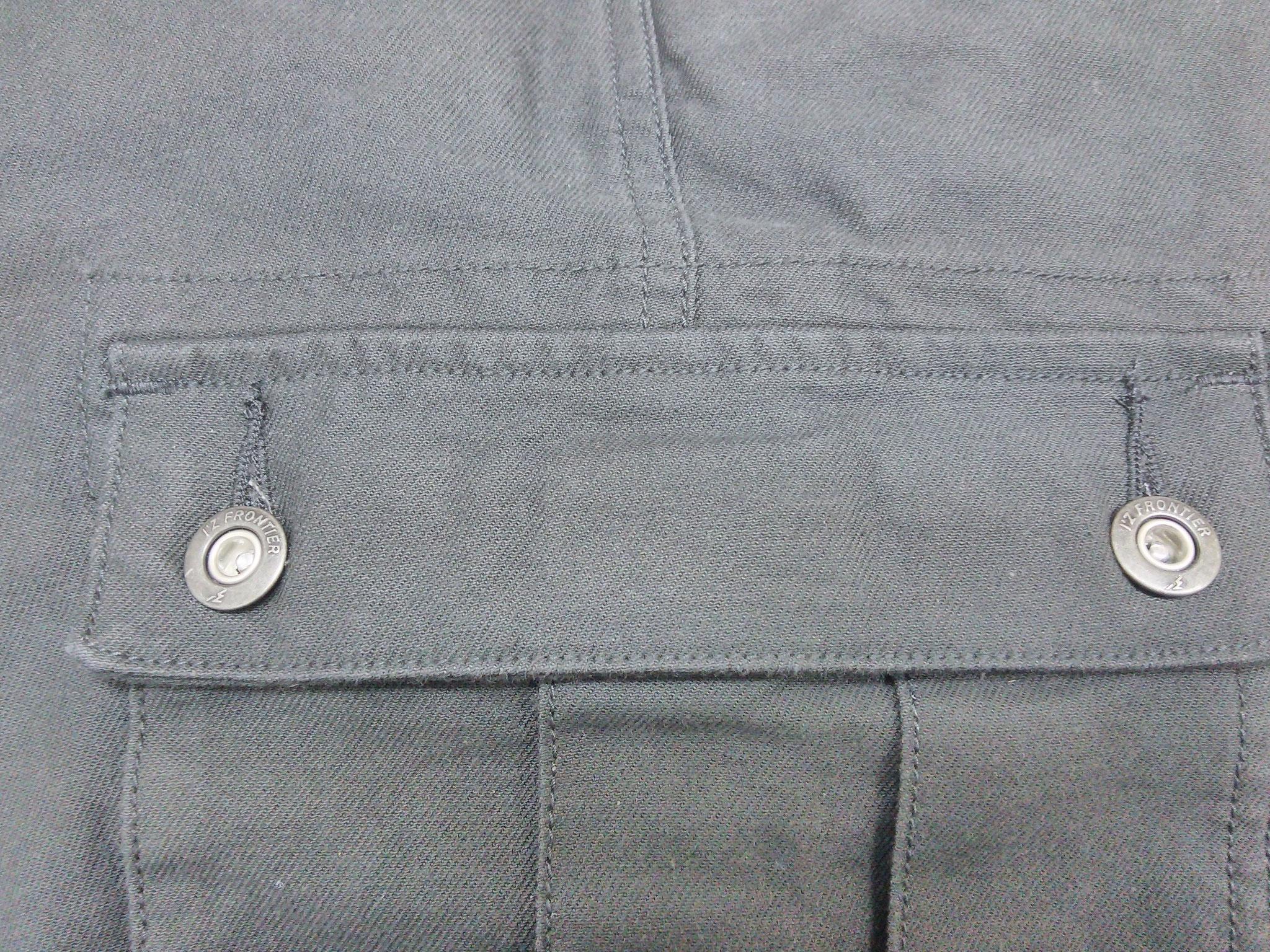 I'Z FRONTIER 7920 SERIES ~アイズフロンティア ストレッチカーゴパンツ~ サイドカーゴは実用的な深さと大きさがあります。