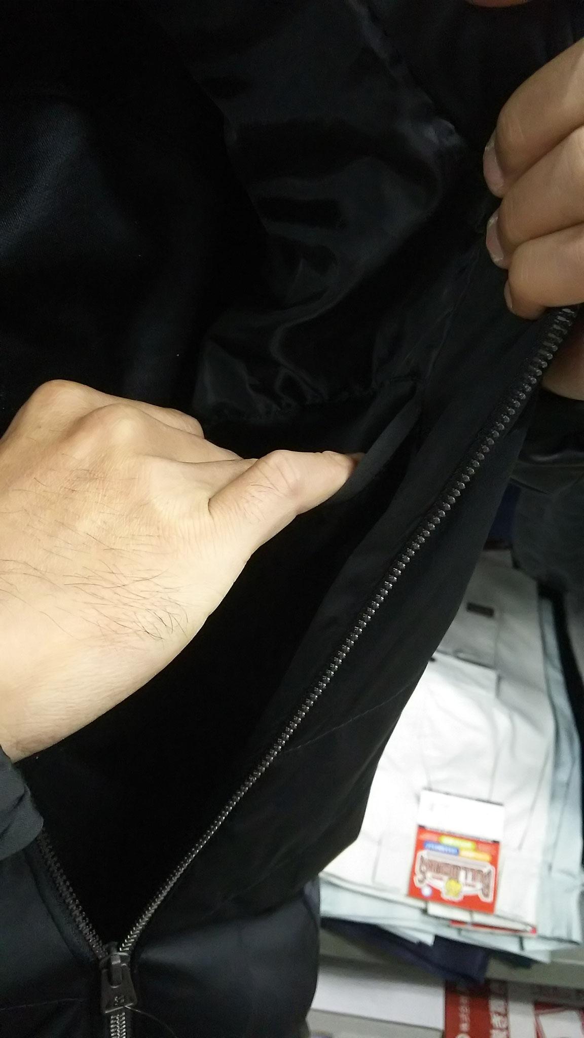 G.GROUND 44603 防風ブルゾン 左胸の内ポケット。けっこう深いので、スマホ・サイフは十分OKです。
