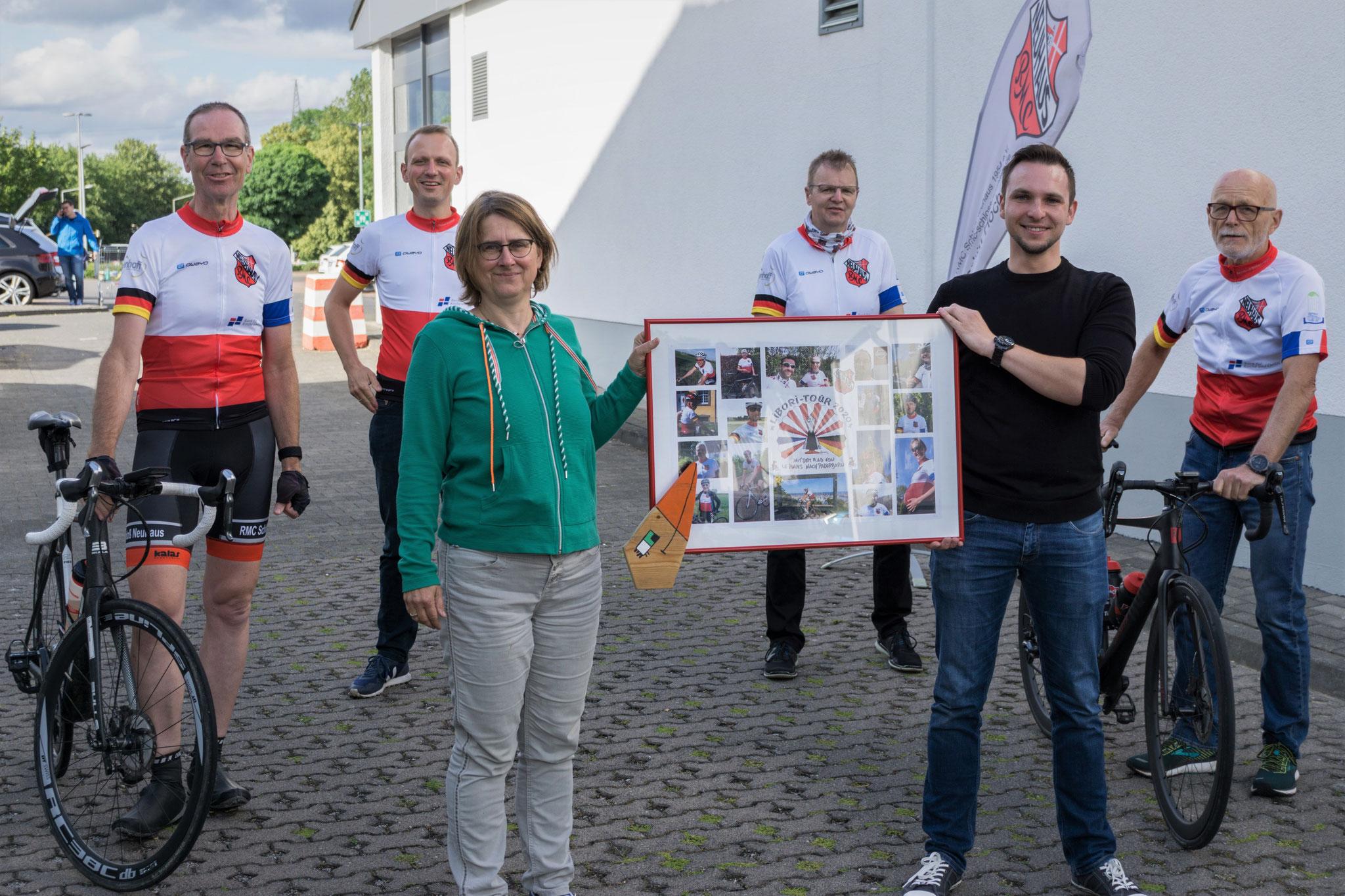 1. Reihe von links: Christoph Lescher, Odilia Wagener, Tobias Franc (beide AKHD PB-HX), Bernhard Dirkschnieder; 2. Reihe von links: Thomas Kirchhoff, Martin Klösener