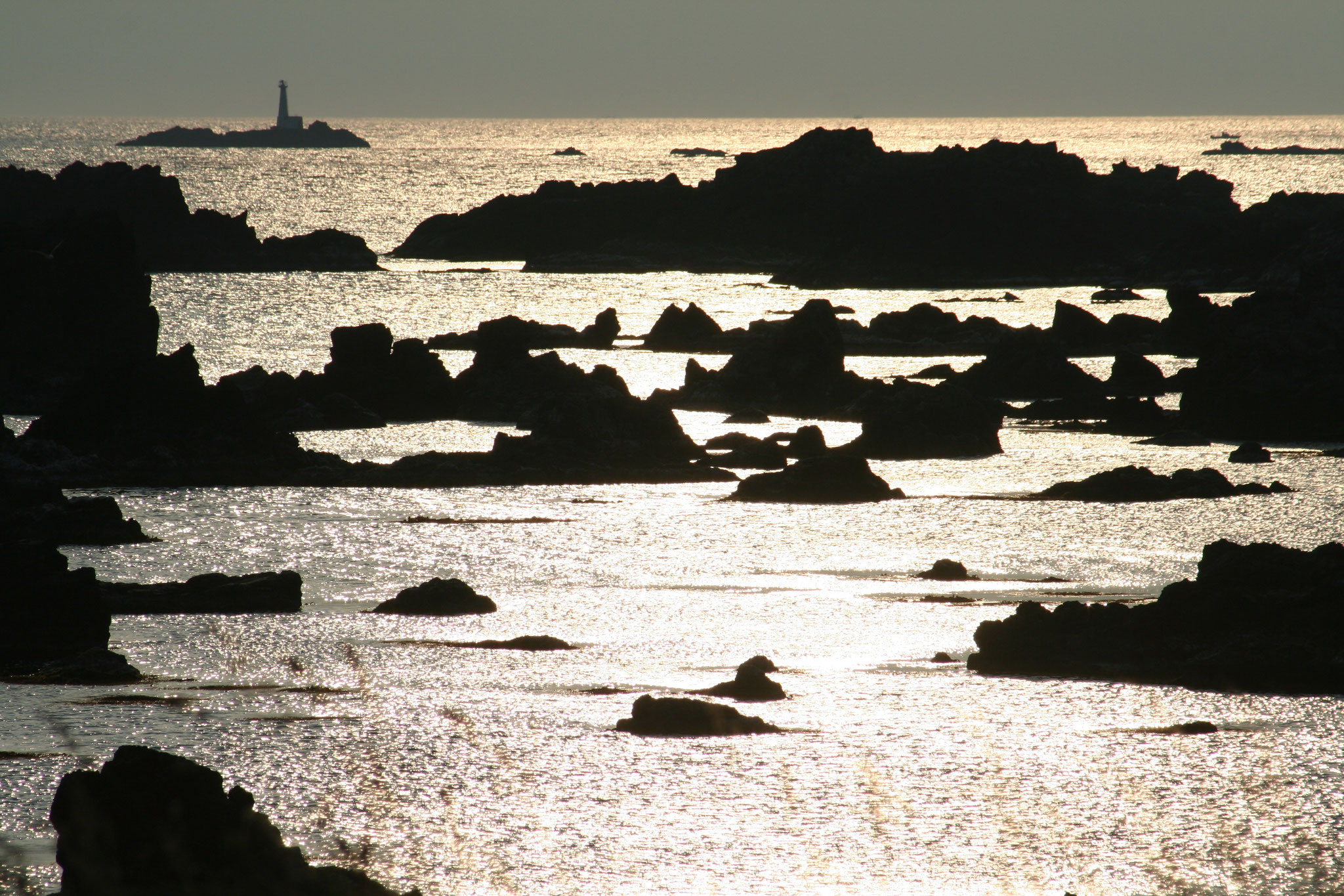 松前町海岸 津軽海峡波静か
