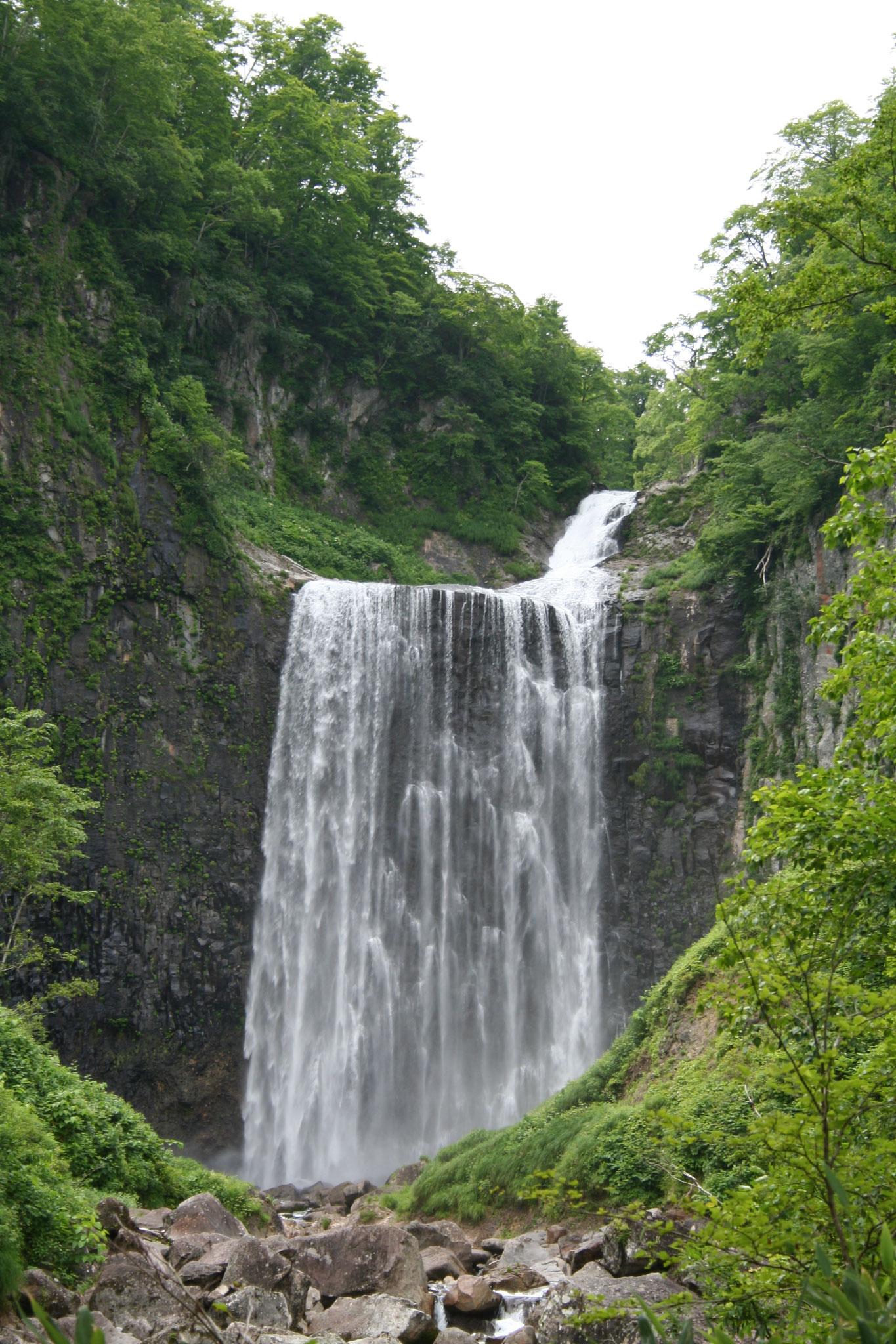 狩場山中 落差70メートル 賀老の滝