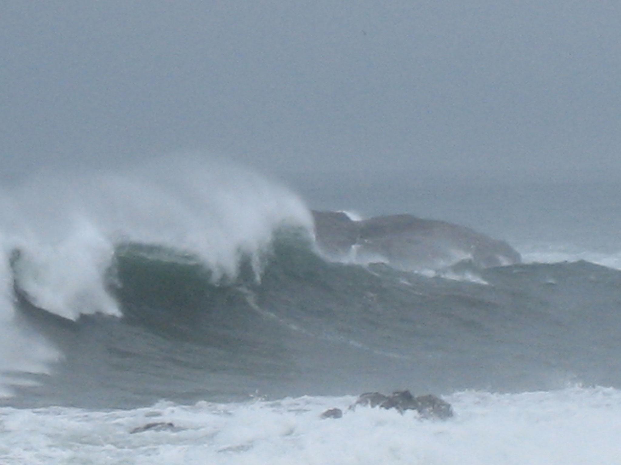 洲崎の海は大荒れ