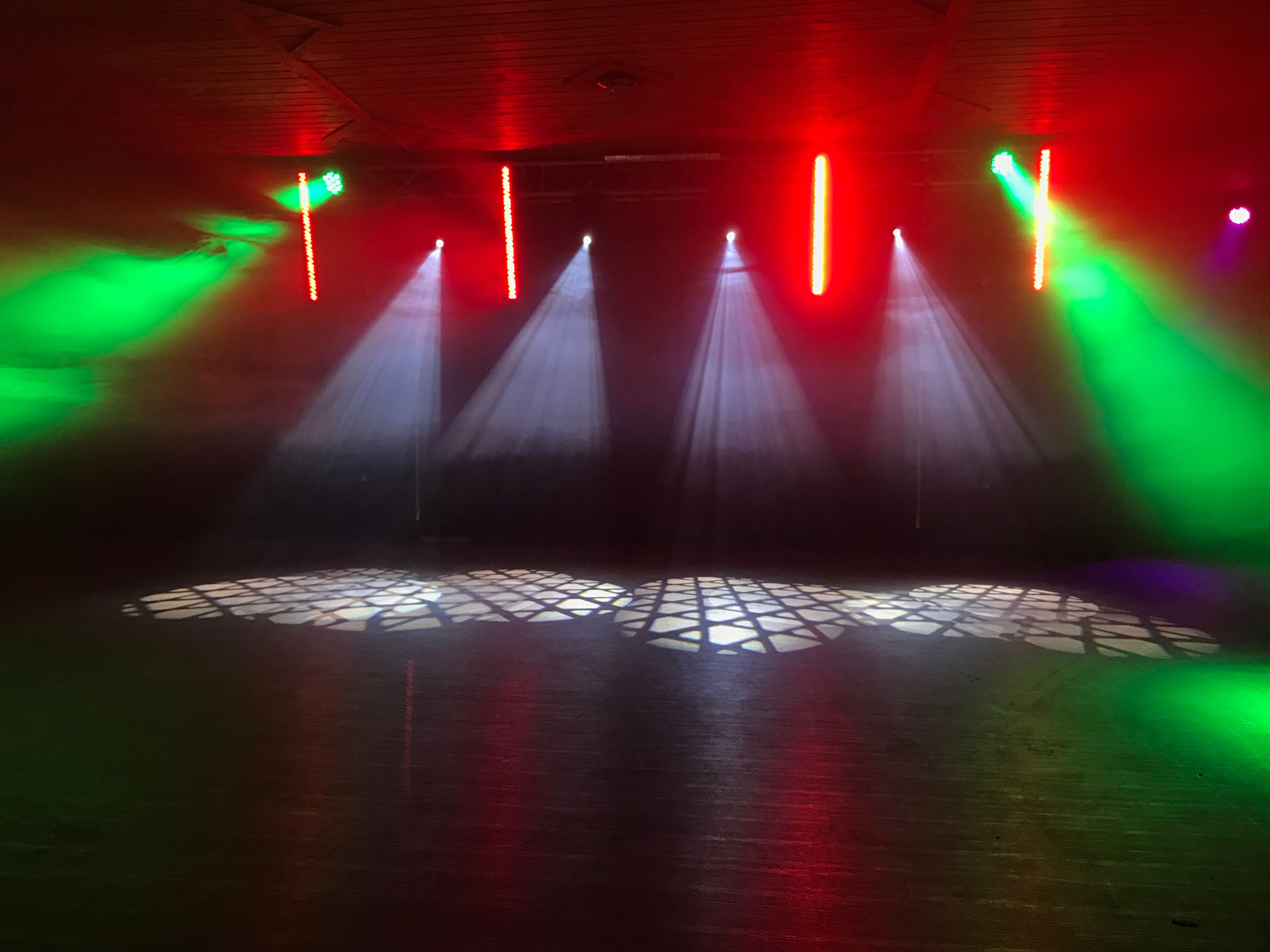 Tanzflächenbeleuchtung mit Moving Heads