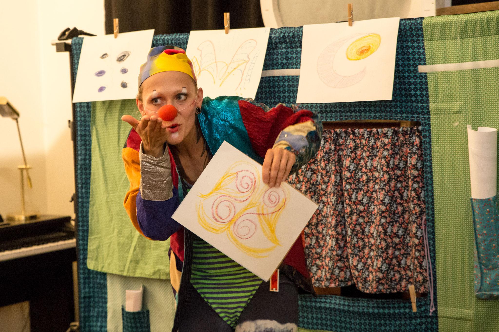 """""""Beziehungswege"""" inszeniert im Rahmen des Theater-Projekts """"Wendepunkt : Alleinerziehend"""""""
