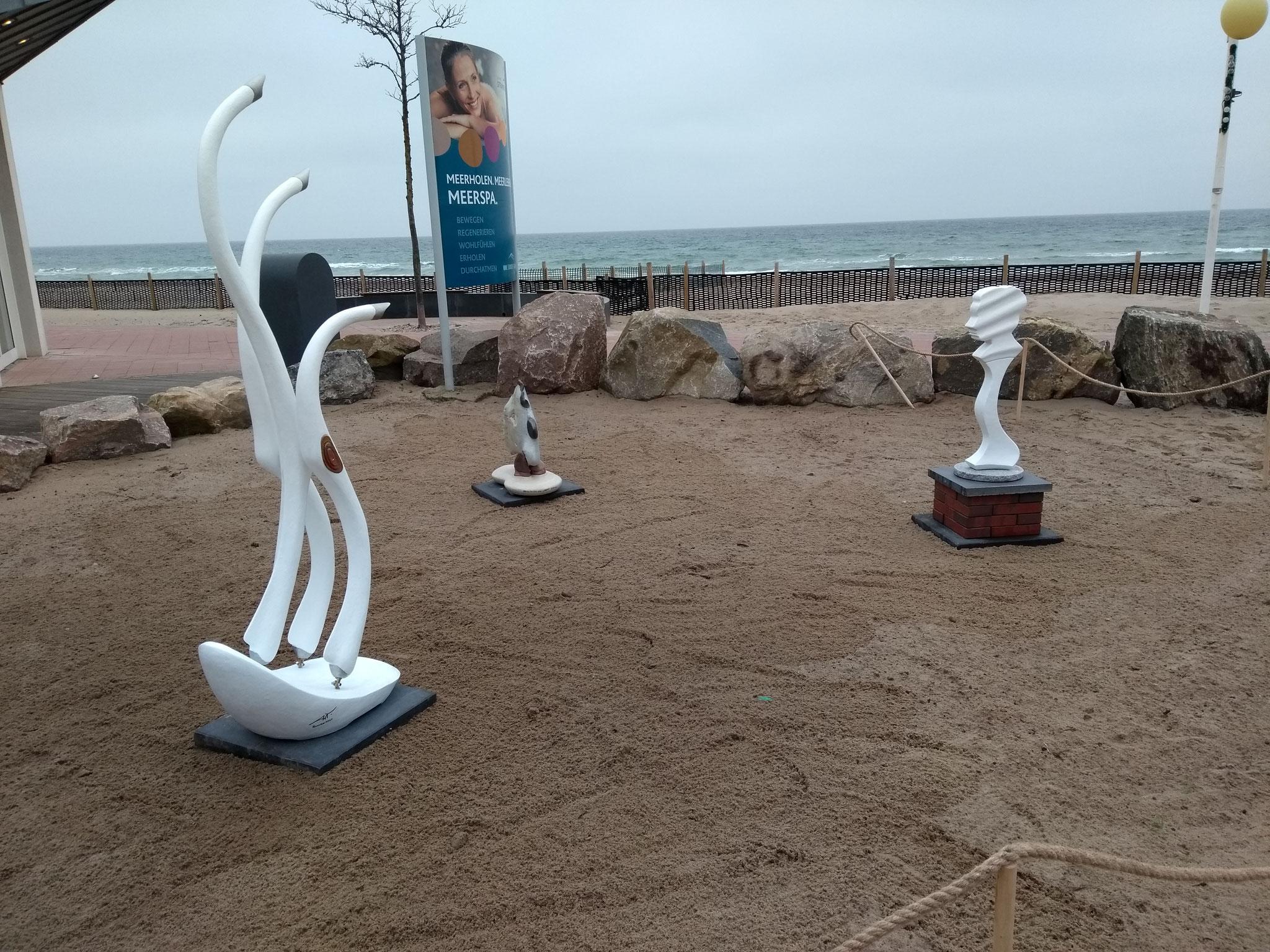 Installation vor den Sport- und Gesundheitszentrum in Dahme