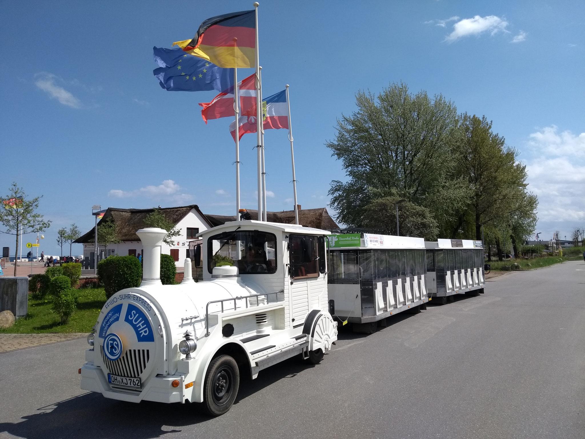 Eine frische Bimmelbahn mit wettergeschützen Wagen