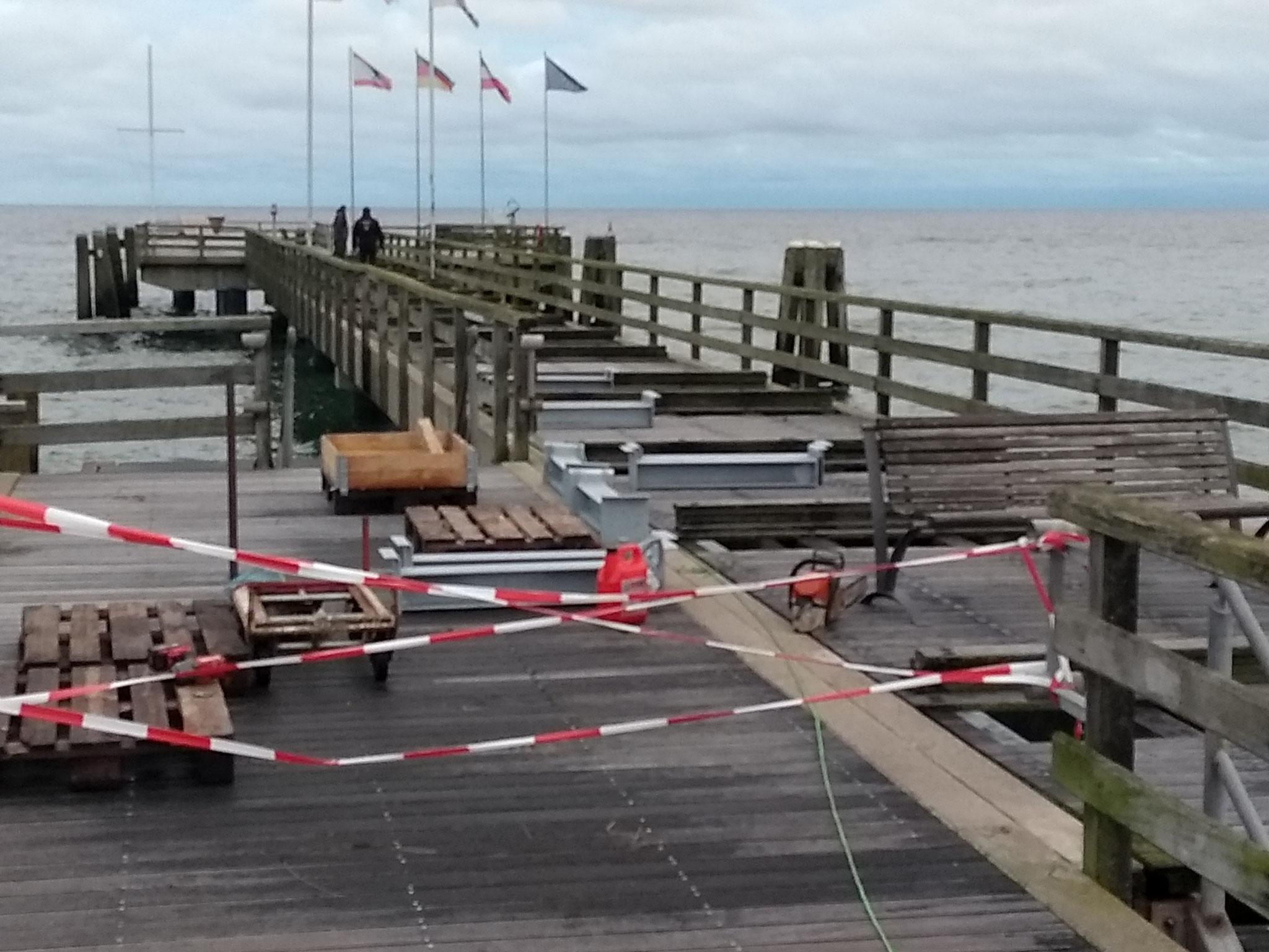 Im November 2019 musste im vorderen Teil der Brücke ein Korsett aus Stahlstützen eingesetzt werden.