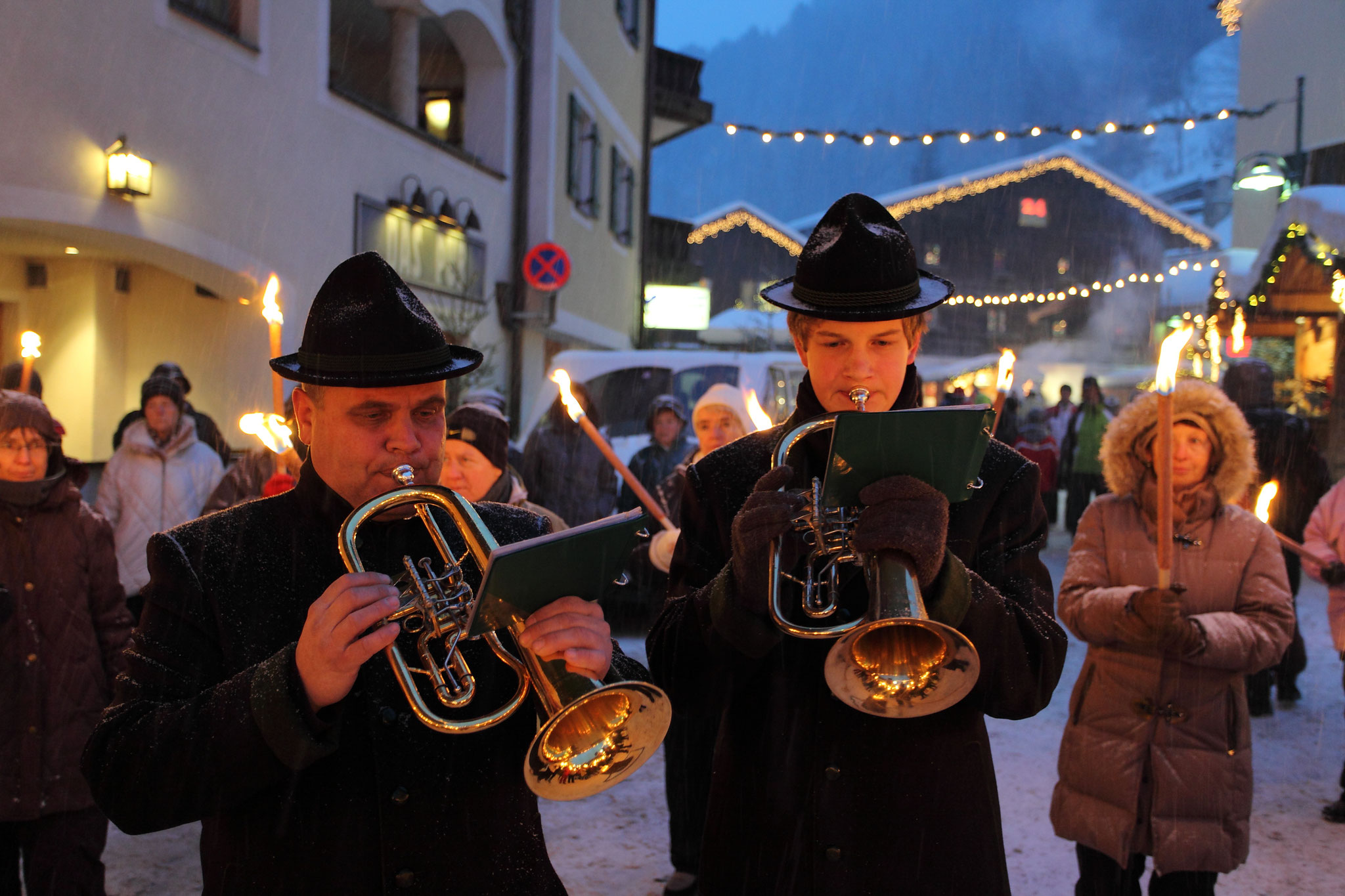 Musicians at the torchlight hikes in Grossarl