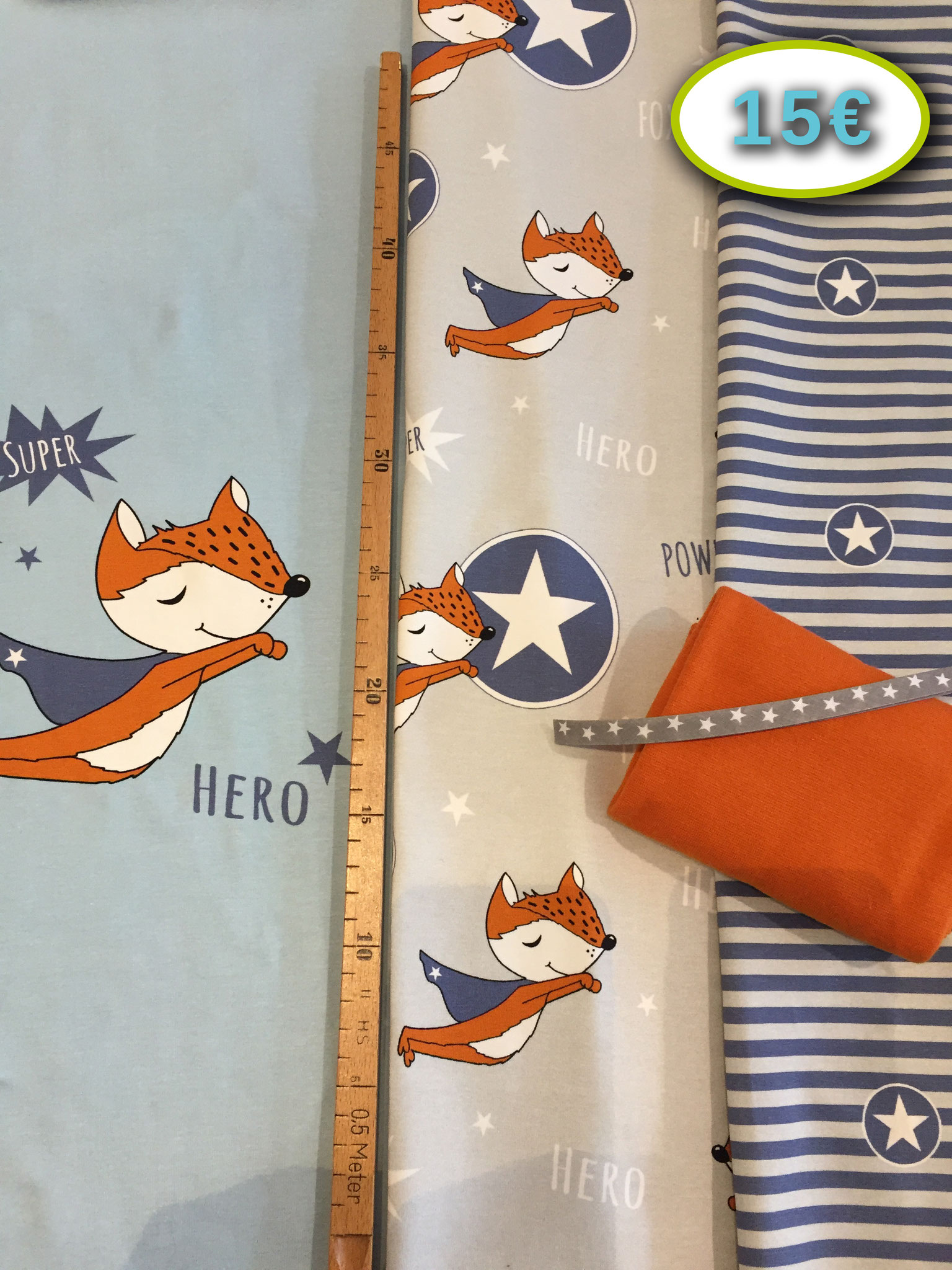 Super-Fox-Panel (3-teilig) von Hilco, ca. 55 cm x 150 cm (90%BW, 10%EL), inkl. 30 cm x 35 cm Bündchen im Schlauch von Lillestoff, Stückchen Sternenschrägband