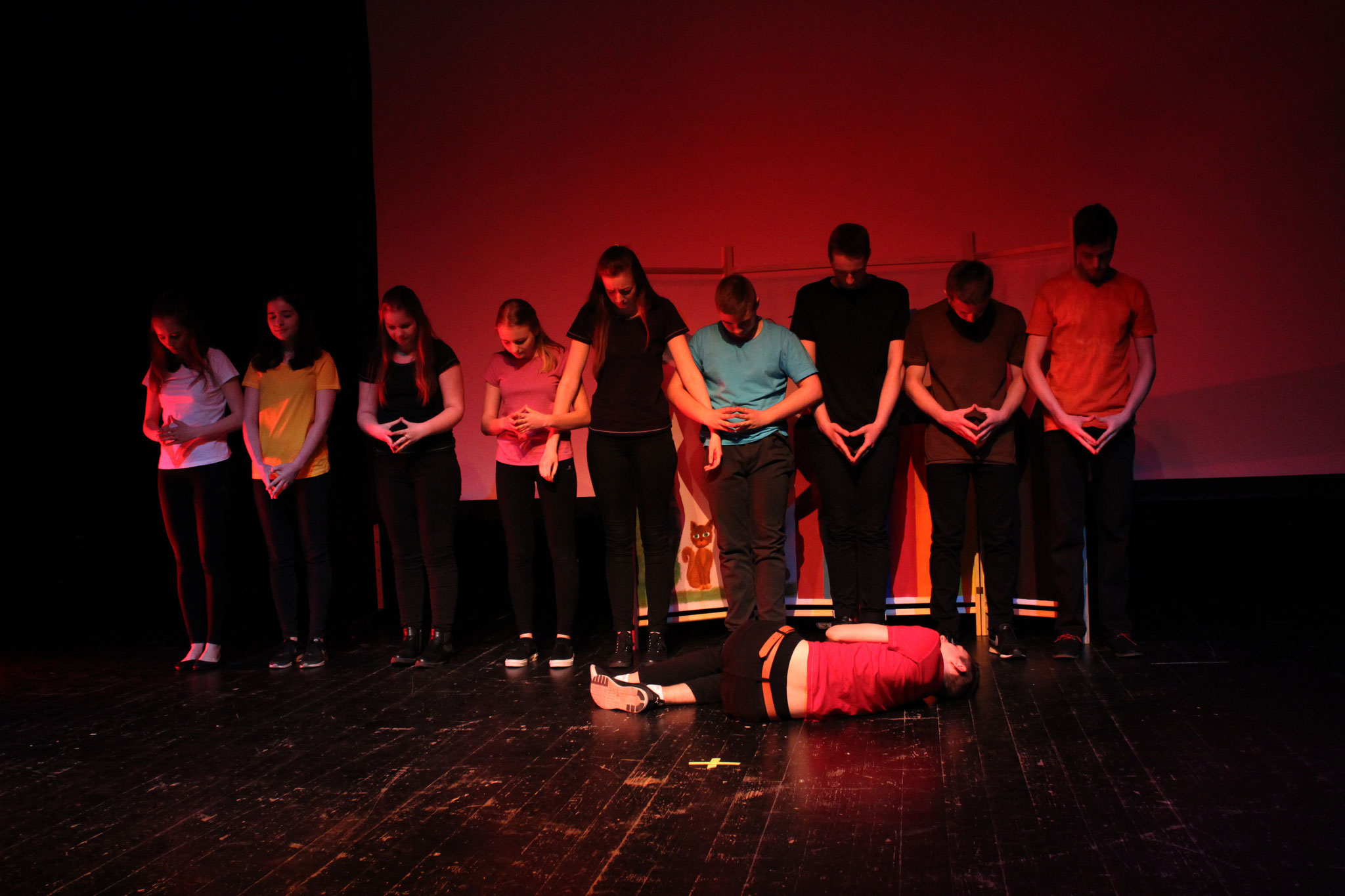 """3ème Festival pour Lycéens, Poznań - """"La boîte de crayons"""" de Stanislas Cotton par la troupe Frankofile z Baczyńskiego de Białystok"""