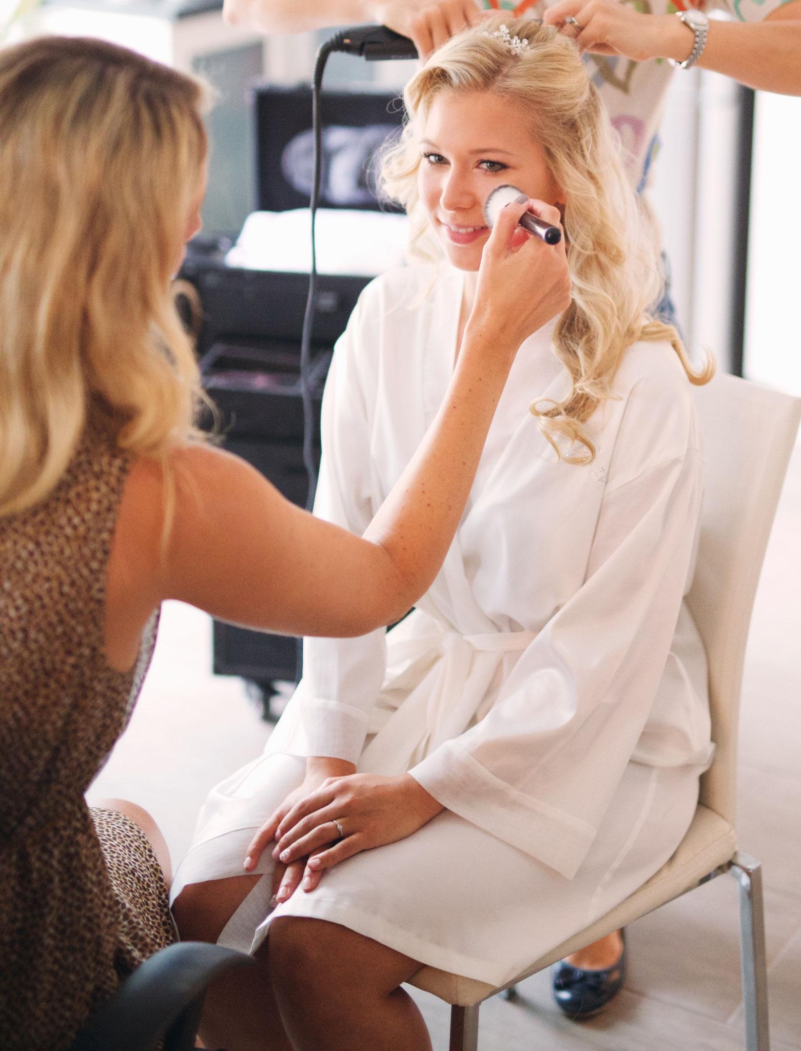 Getting Ready by Melanie von Wandelbar Make-Up