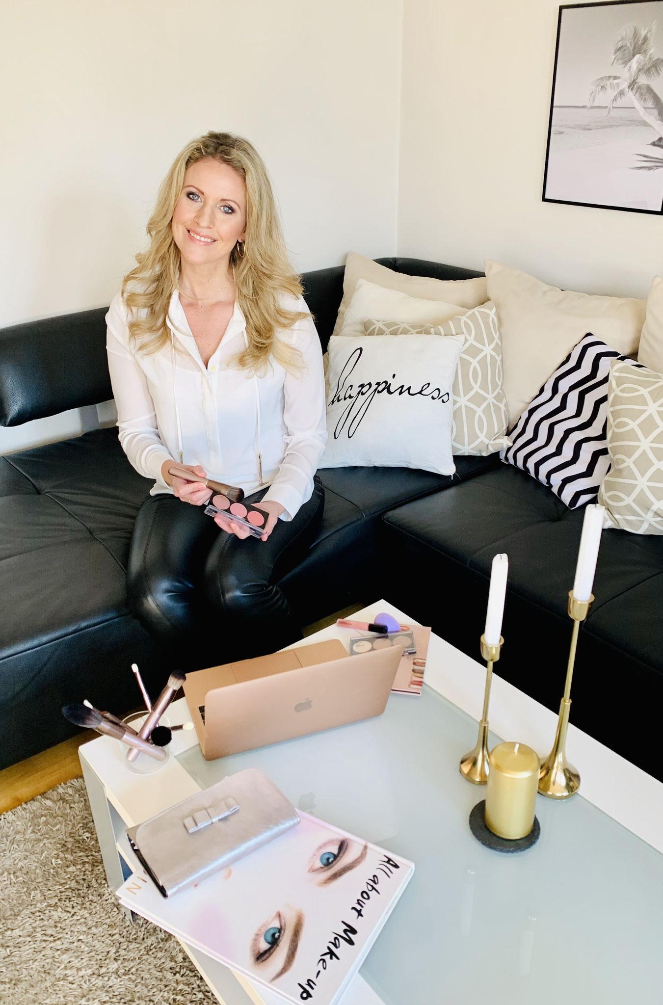 Ich freue mich Dich beim Online Make-Up Coaching von Wandelbar Make-Up kennenzulernen!